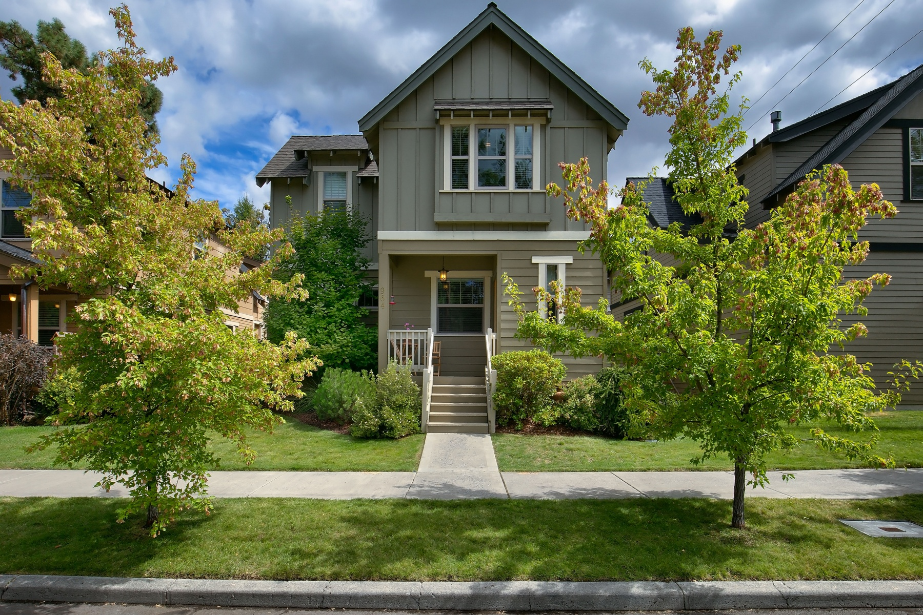 sales property at 964 SW Hill, BEND