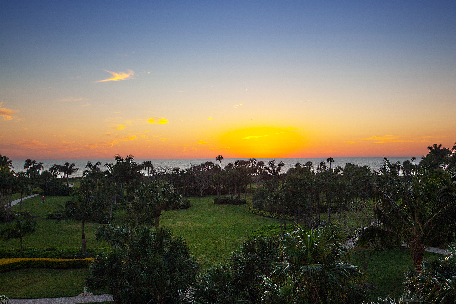 Condominium for Sale at PARK SHORE - LE JARDIN 4201 Gulf Shore Blvd N 403 Naples, Florida, 34103 United States
