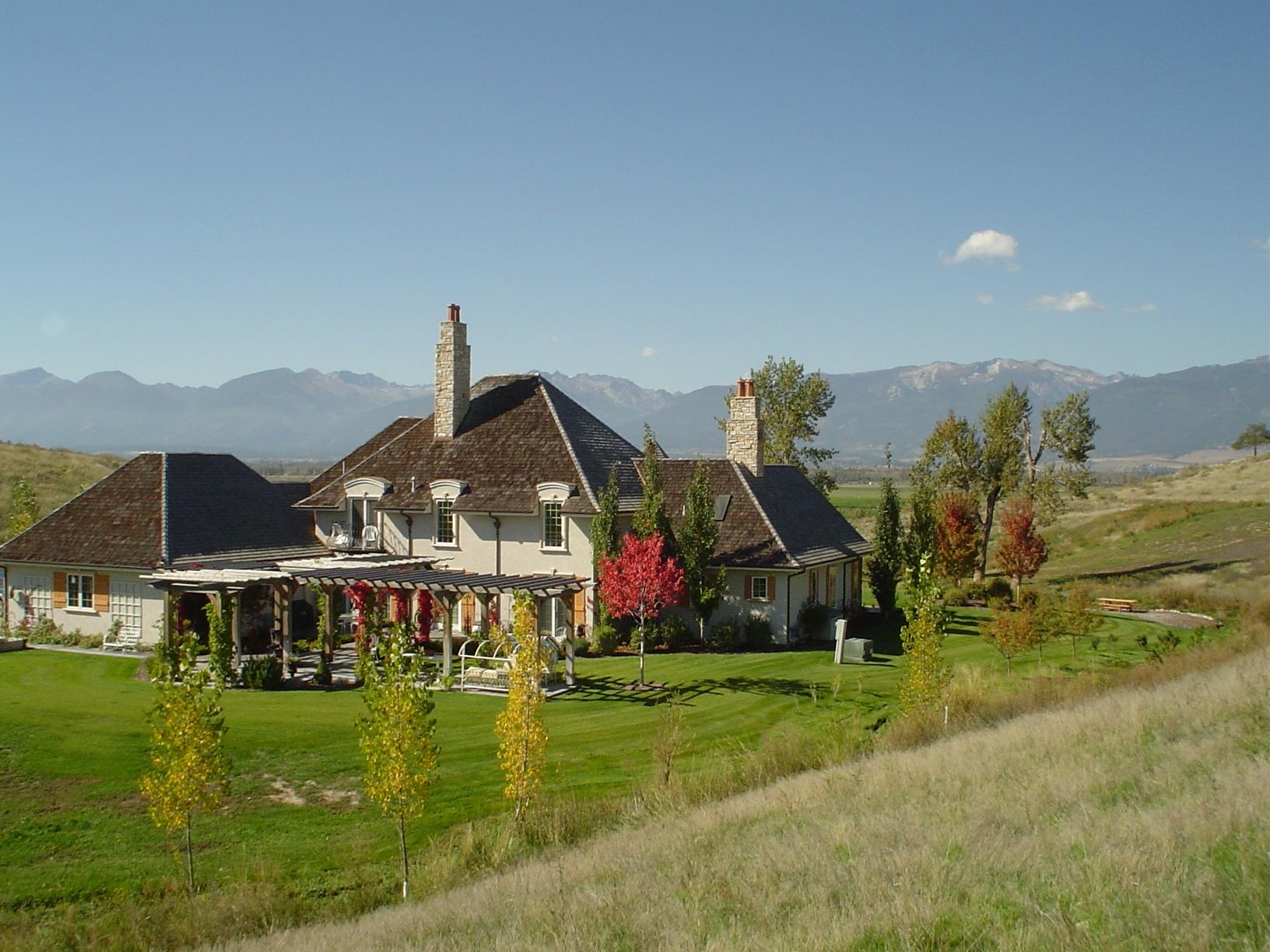Casa Unifamiliar por un Venta en Petite Chateau 421 Spooner Creek Lane Stevensville, Montana, 59870 Estados Unidos