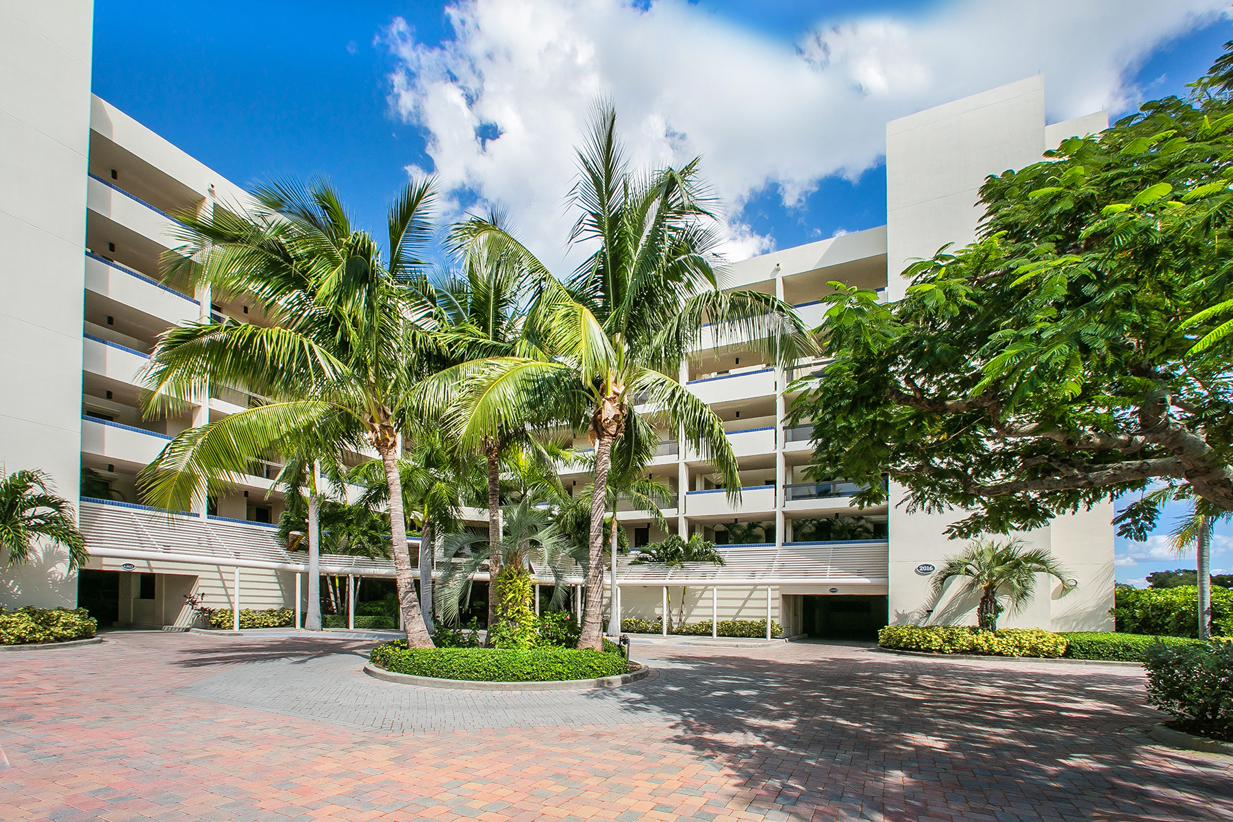 Condominium for Sale at FAIRWAY BAY 2 2016 Harbourside Dr 322 Longboat Key, Florida, 34228 United States