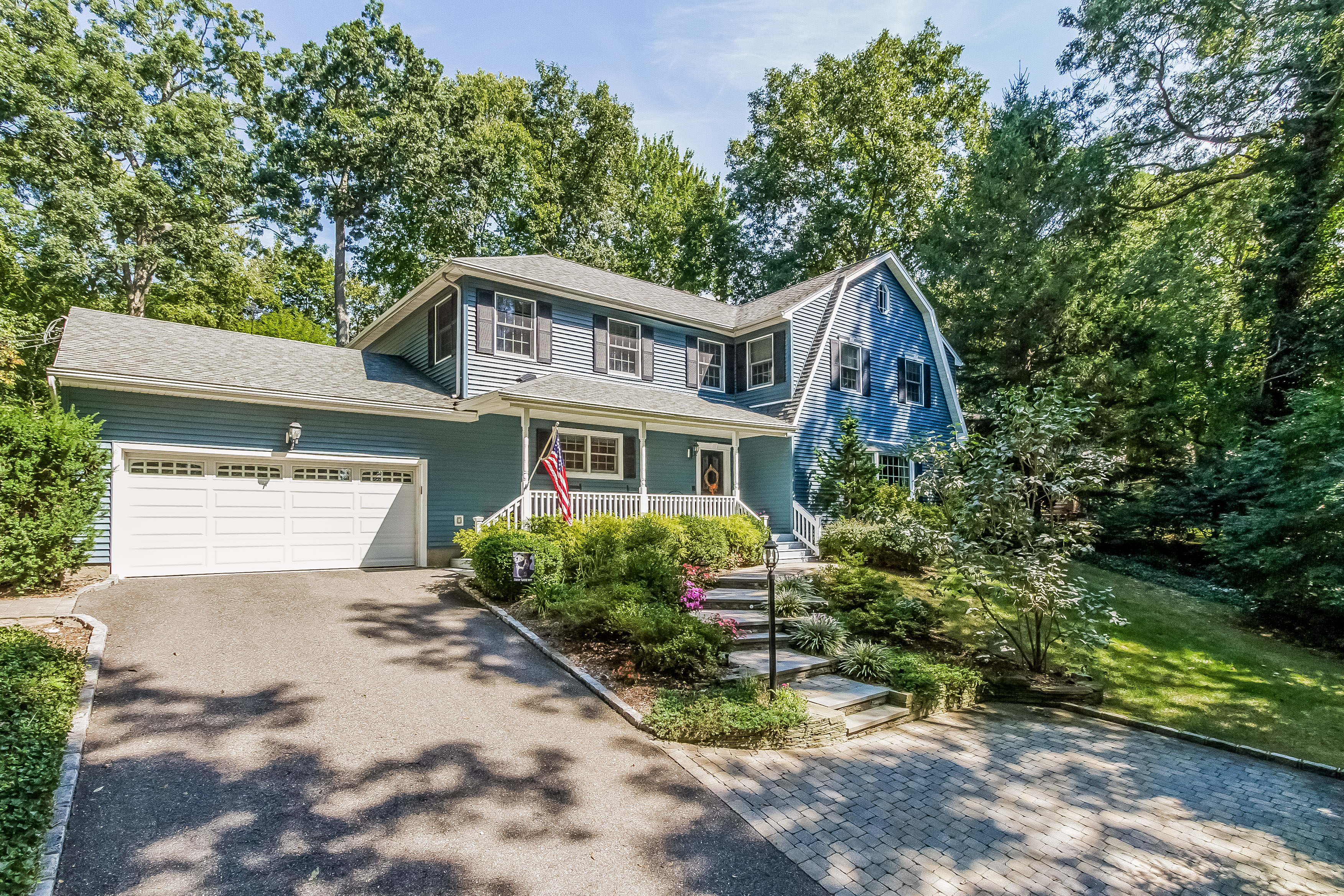 Single Family Home for Sale at Colonial 93 Woodchuck Hollow Rd Cold Spring Harbor, New York 11724 United States