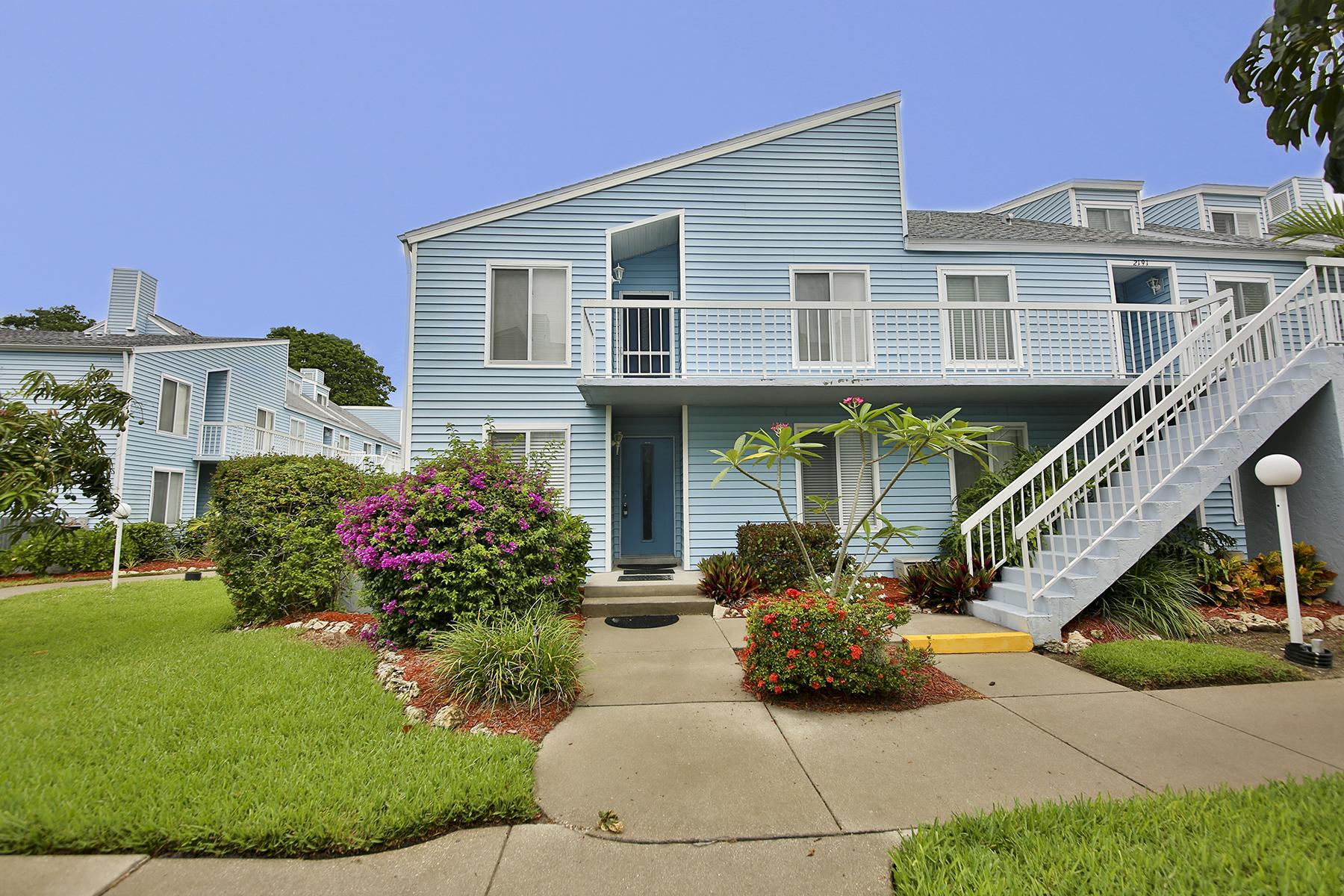 Appartement en copropriété pour l Vente à MARCO ISLAND - ESTUARY 2189 San Marco Rd 3-201 Marco Island, Florida 34145 États-Unis