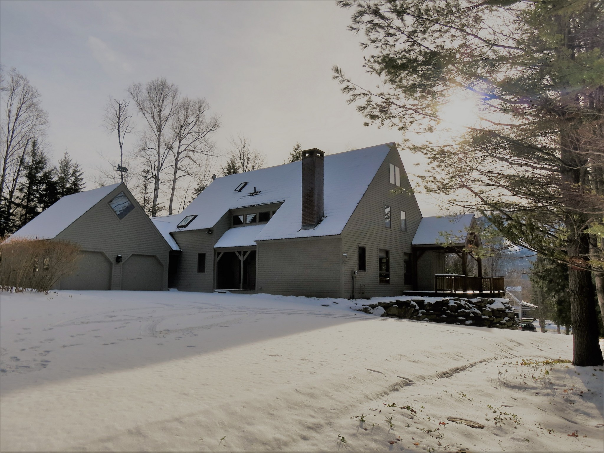 Single Family Home for Sale at Iconic Vermont Timberpeg 16 Stonehouse Rd Winhall, Vermont, 05430 United States