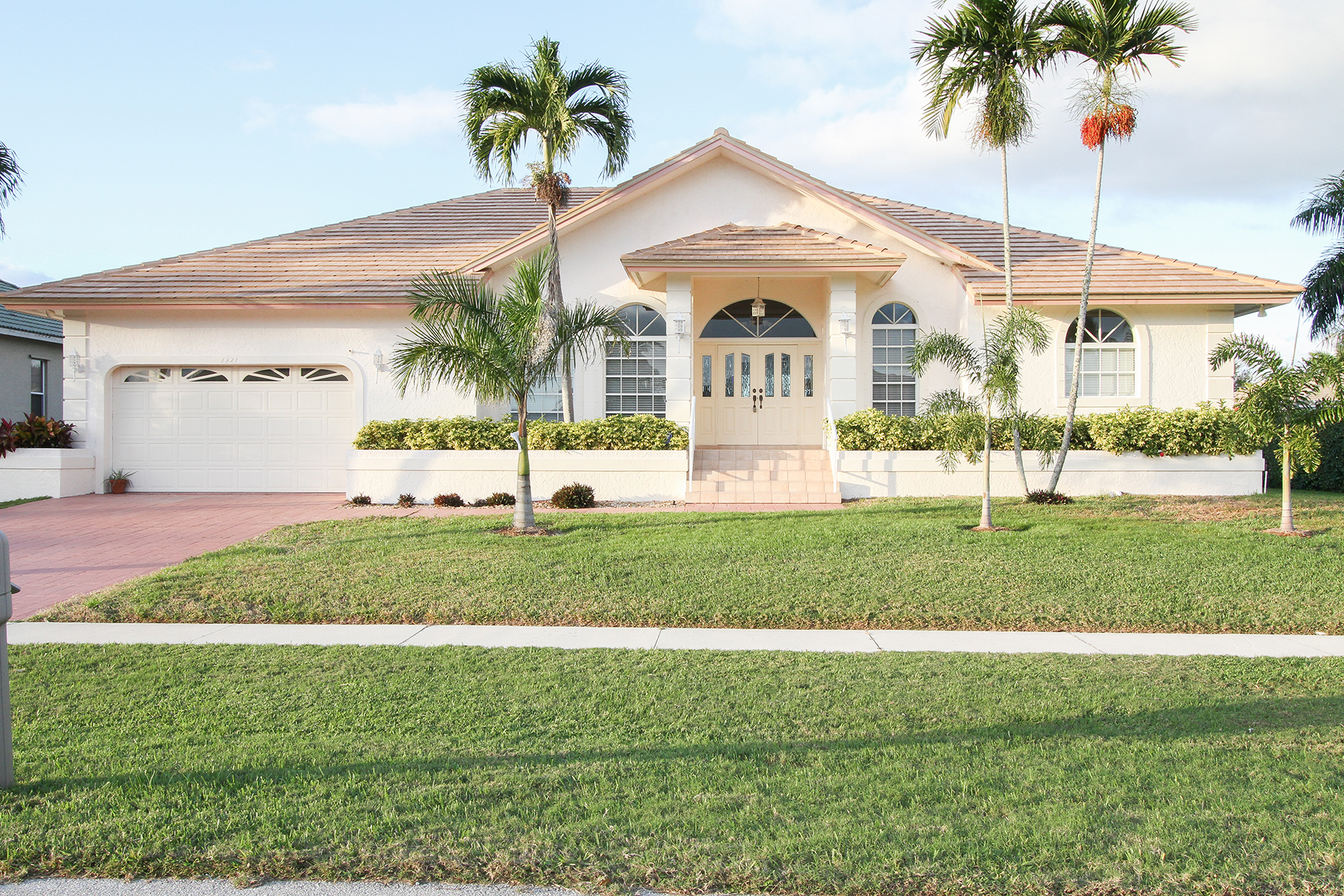 Single Family Home for Sale at MARCO ISLAND - LUDLAM COURT 1221 Ludlam Ct Marco Island, Florida, 34145 United States