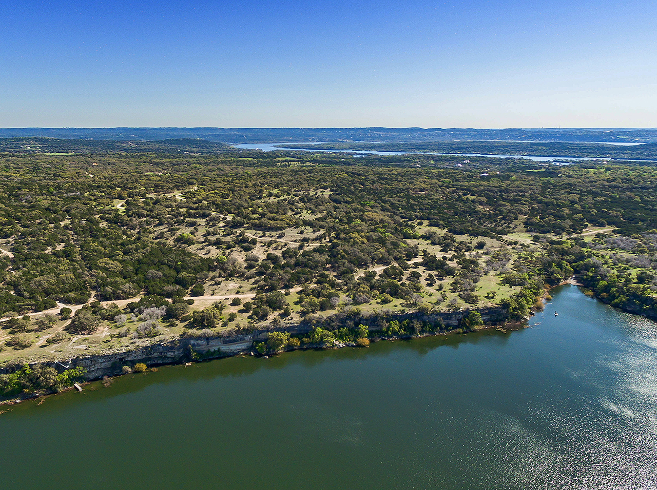 Fazenda / Rancho / Plantação para Venda às Travis Peak Bluffs - Lake Travis 171 Acres Travis Peak- Lake Travis Marble Falls, Texas, 78654 Estados Unidos