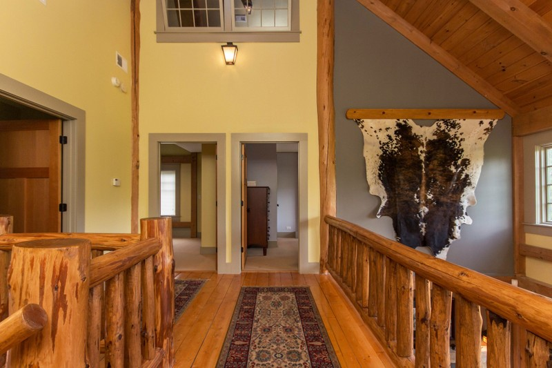 Additional photo for property listing at Traditional Pine Timber Framed Home 51  Mountain Path Johnsburg, Nueva York 12853 Estados Unidos