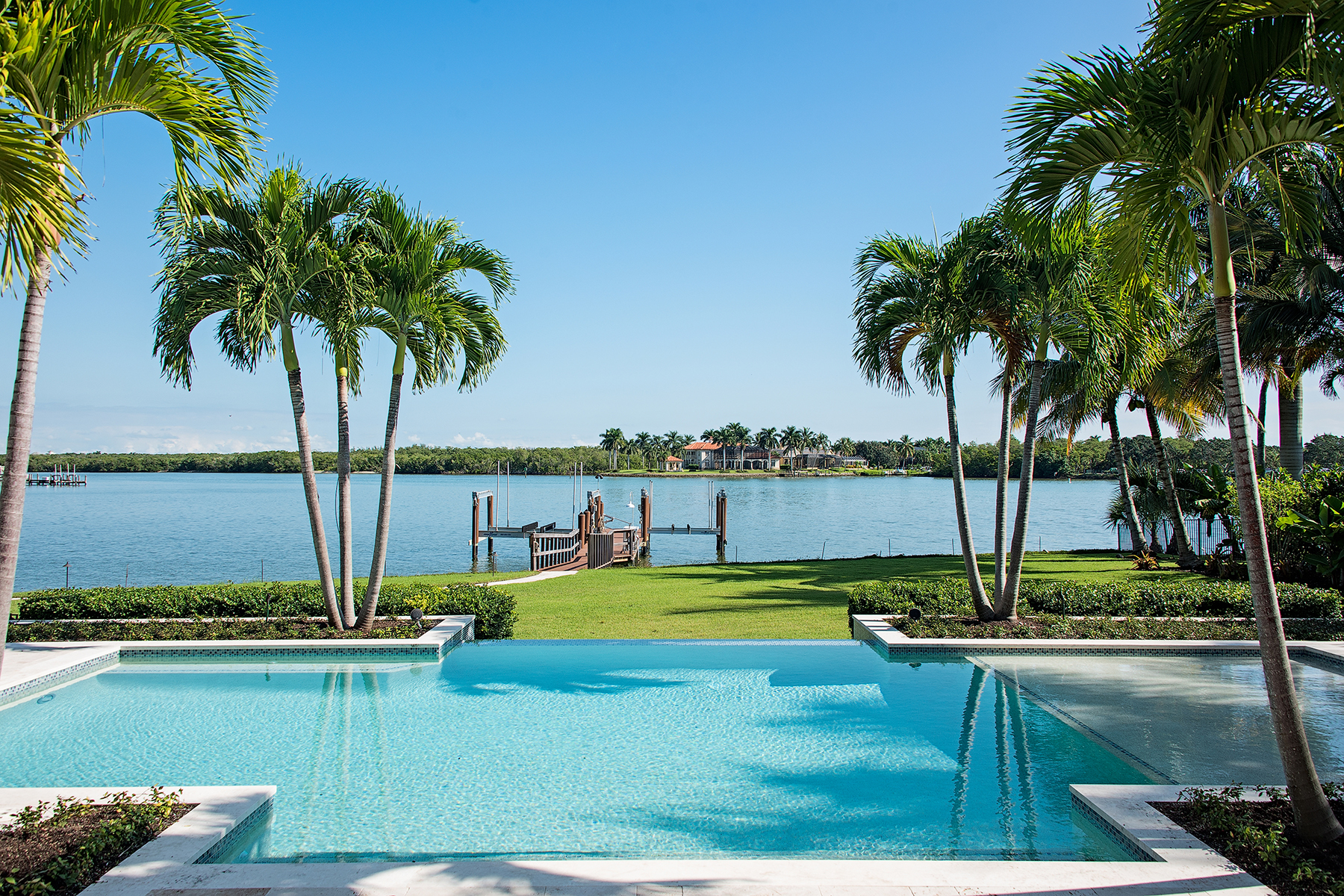Villa per Vendita alle ore PORT ROYAL 1085 Nelsons Walk Naples, Florida, 34102 Stati Uniti