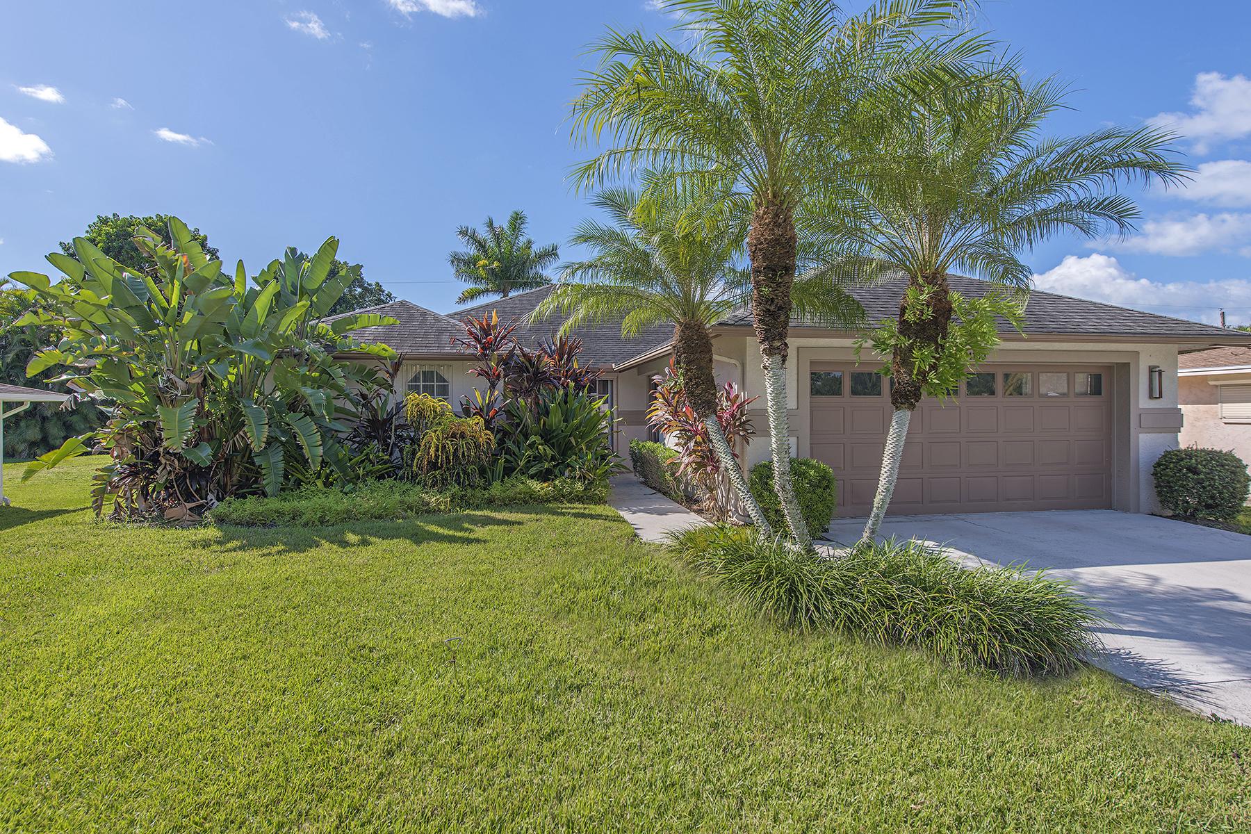 Tek Ailelik Ev için Satış at CARIBE WOODS 1100 Cooper Dr Naples, Florida 34103 Amerika Birleşik Devletleri