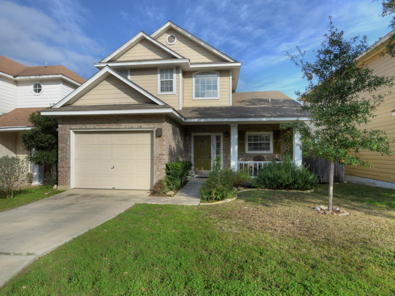 Single Family Home for Sale at A Must See in Stone Oak Villas 22046 Goldcrest Run San Antonio, Texas 78260 United States