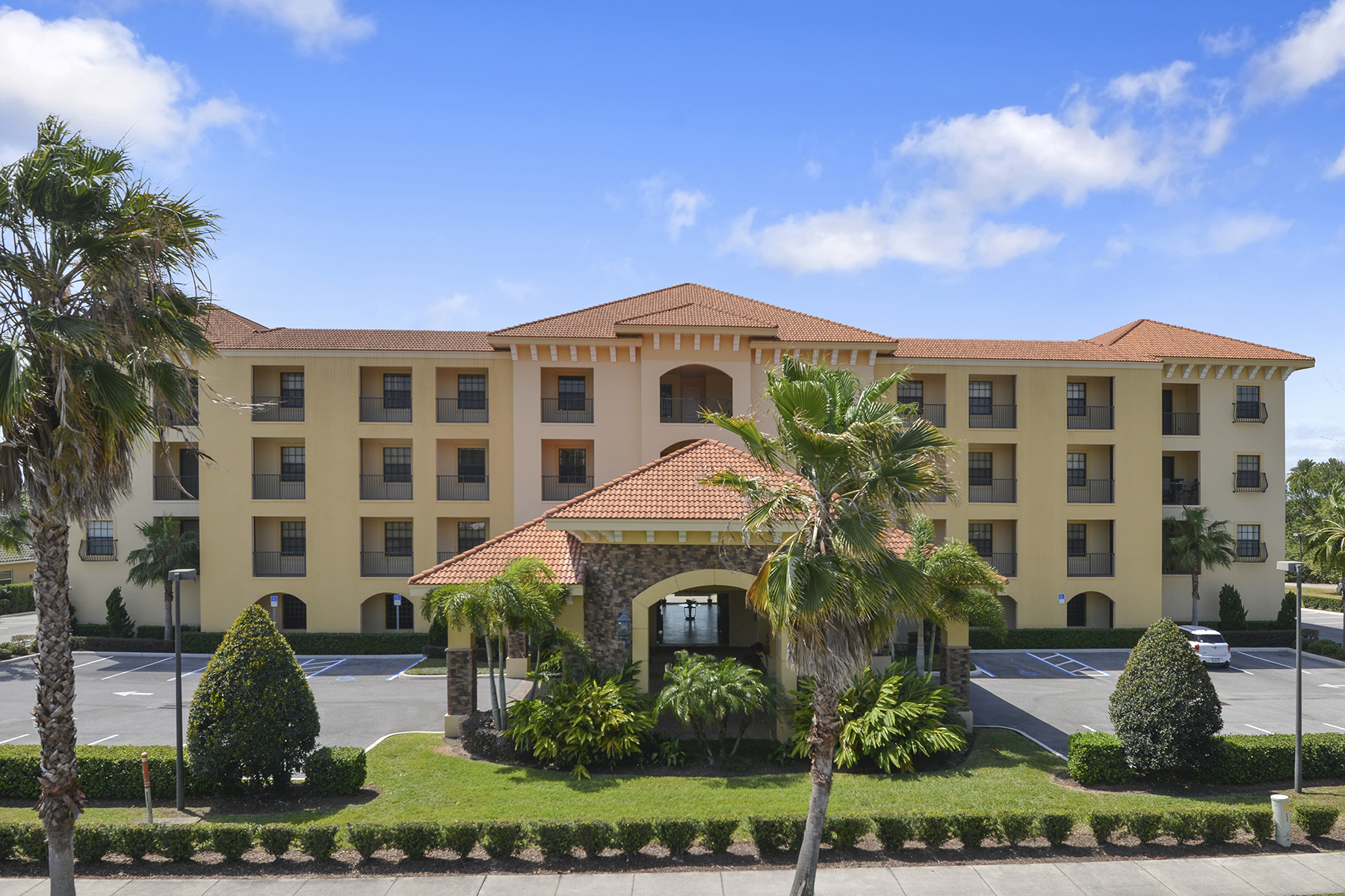 Condominium for Sale at SEBRING - FLORIDA 2351 Lakeview Dr 411 Sebring, Florida, 33870 United States
