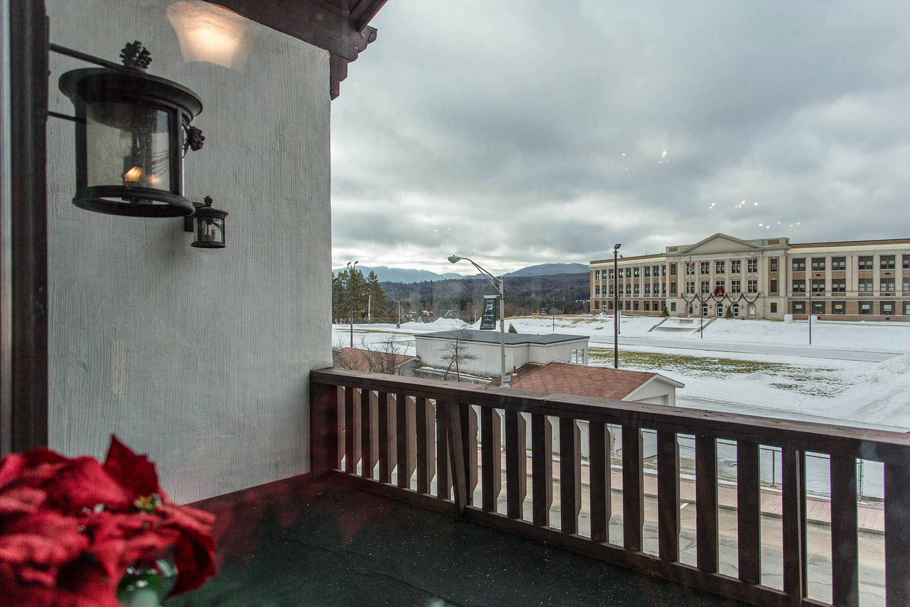 Additional photo for property listing at Fireside Steak House 2653  Main St Lake Placid, New York 12946 États-Unis