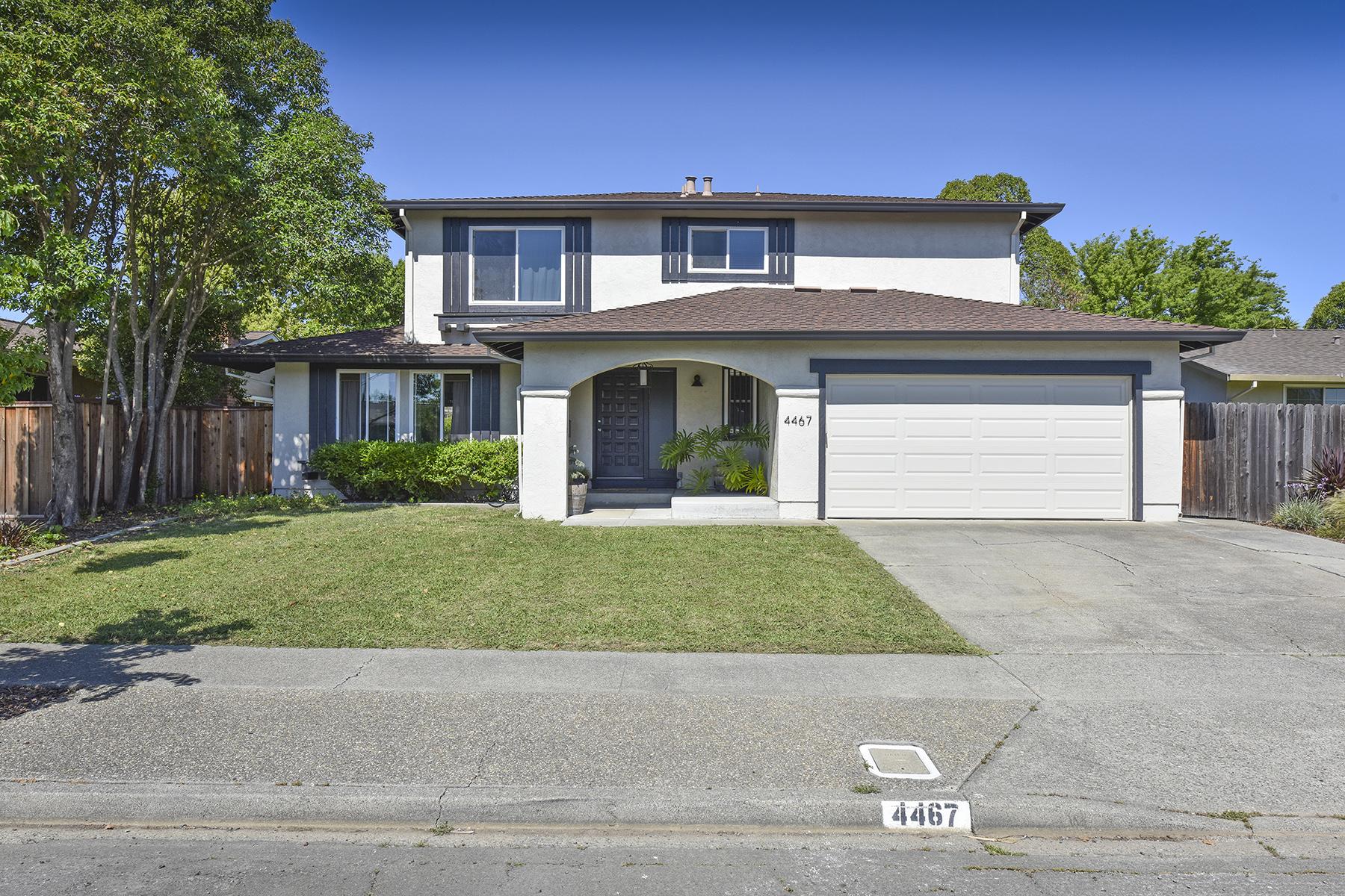 独户住宅 为 销售 在 4467 Tanglewood Way, Napa, CA 94558 4467 Tanglewood Way 纳帕, 加利福尼亚州, 94558 美国