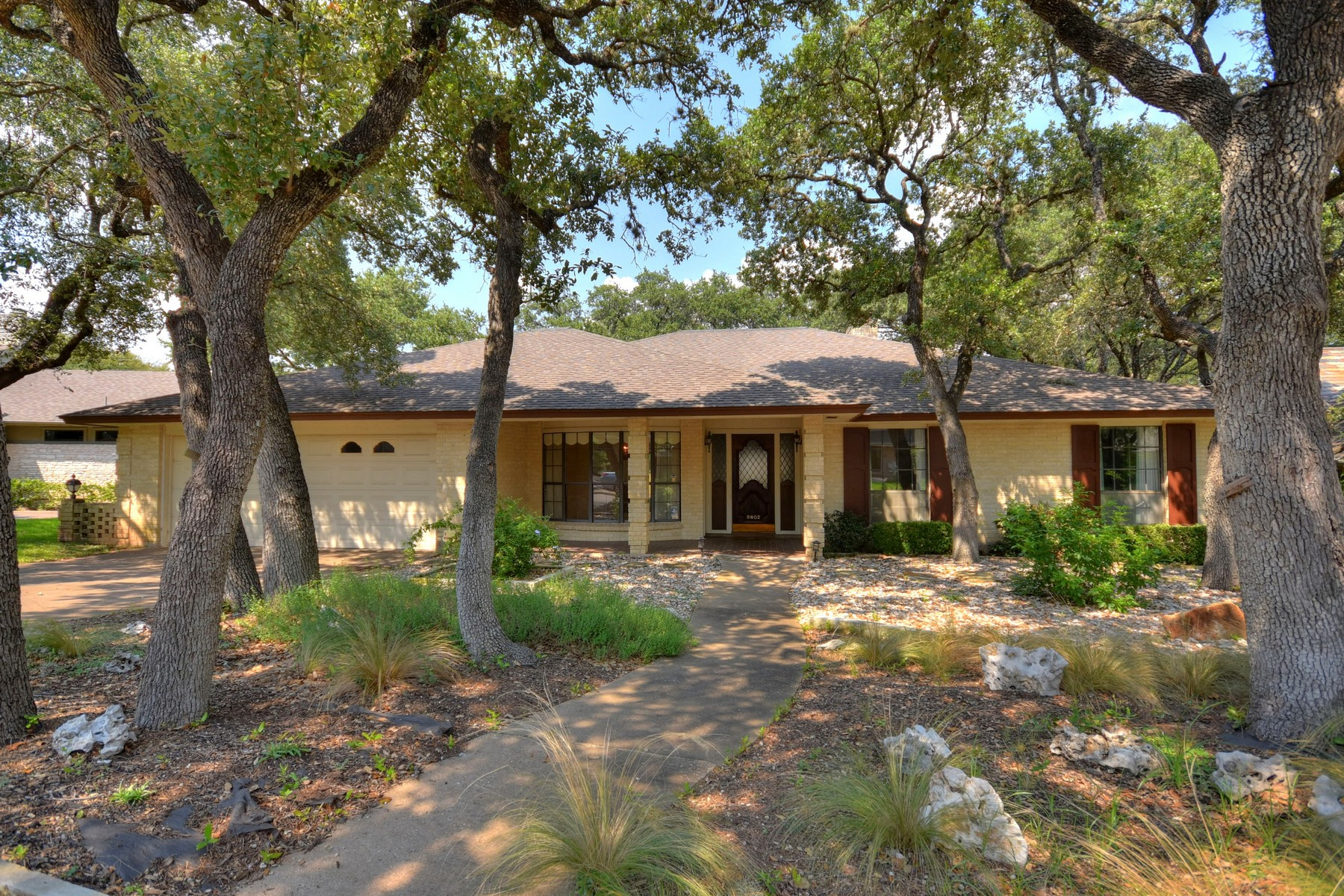 Single Family Home for Sale at Rare Green Trail Opportunity 3802 Green Trail North Austin, Texas 78731 United States