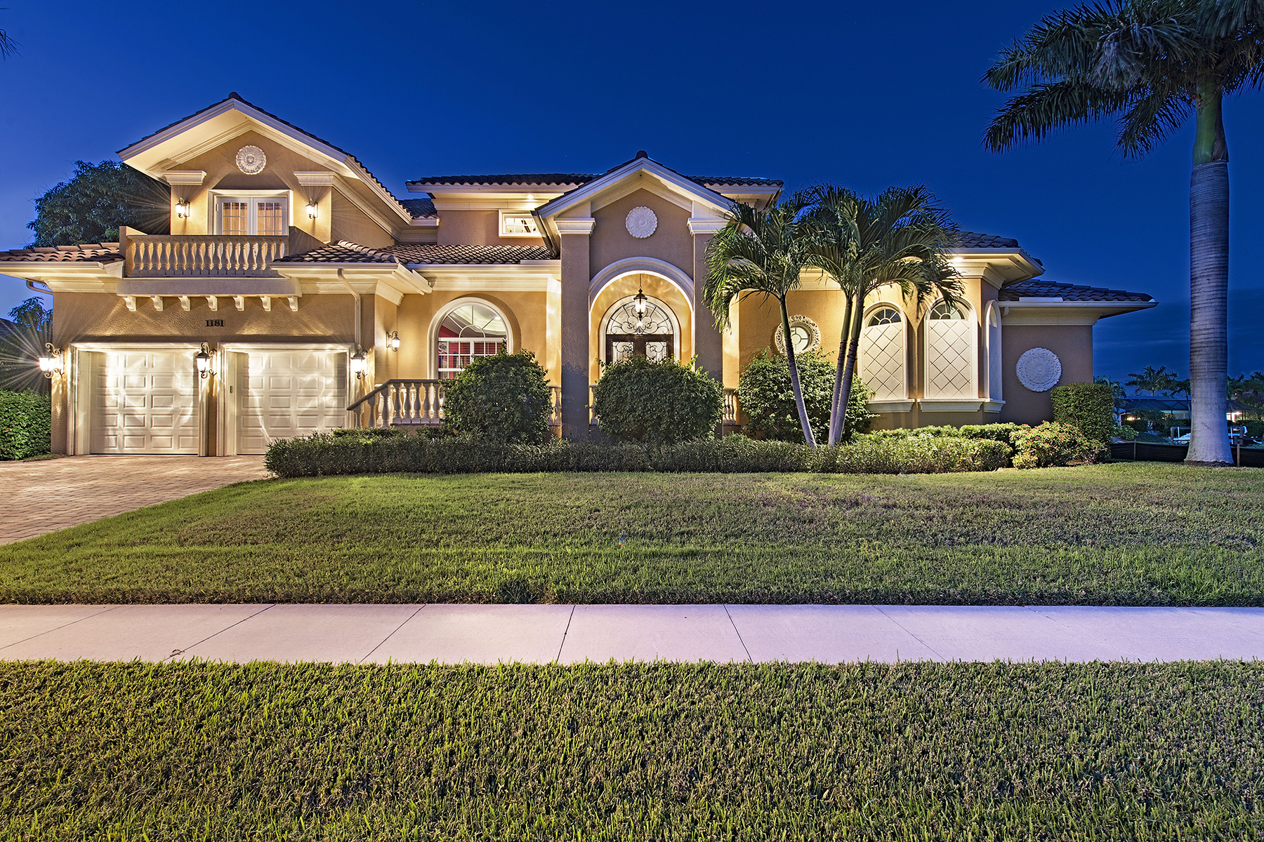 Single Family Home for Sale at MARCO ISLAND - OSPREY CT. 1181 Osprey Ct Marco Island, Florida, 34145 United States
