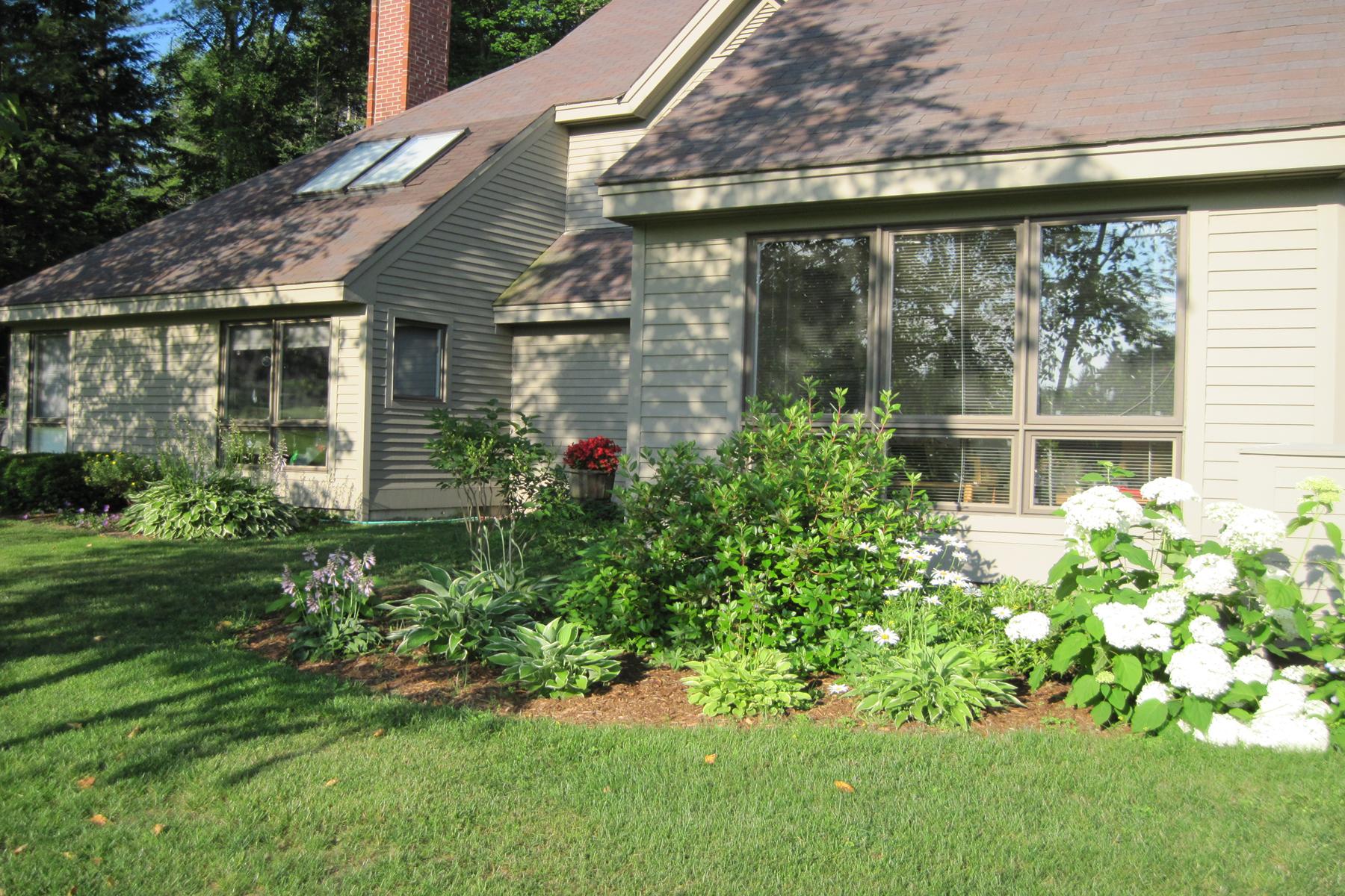 Condominio per Vendita alle ore 11 The Seasons, New London New London, New Hampshire 03257 Stati Uniti