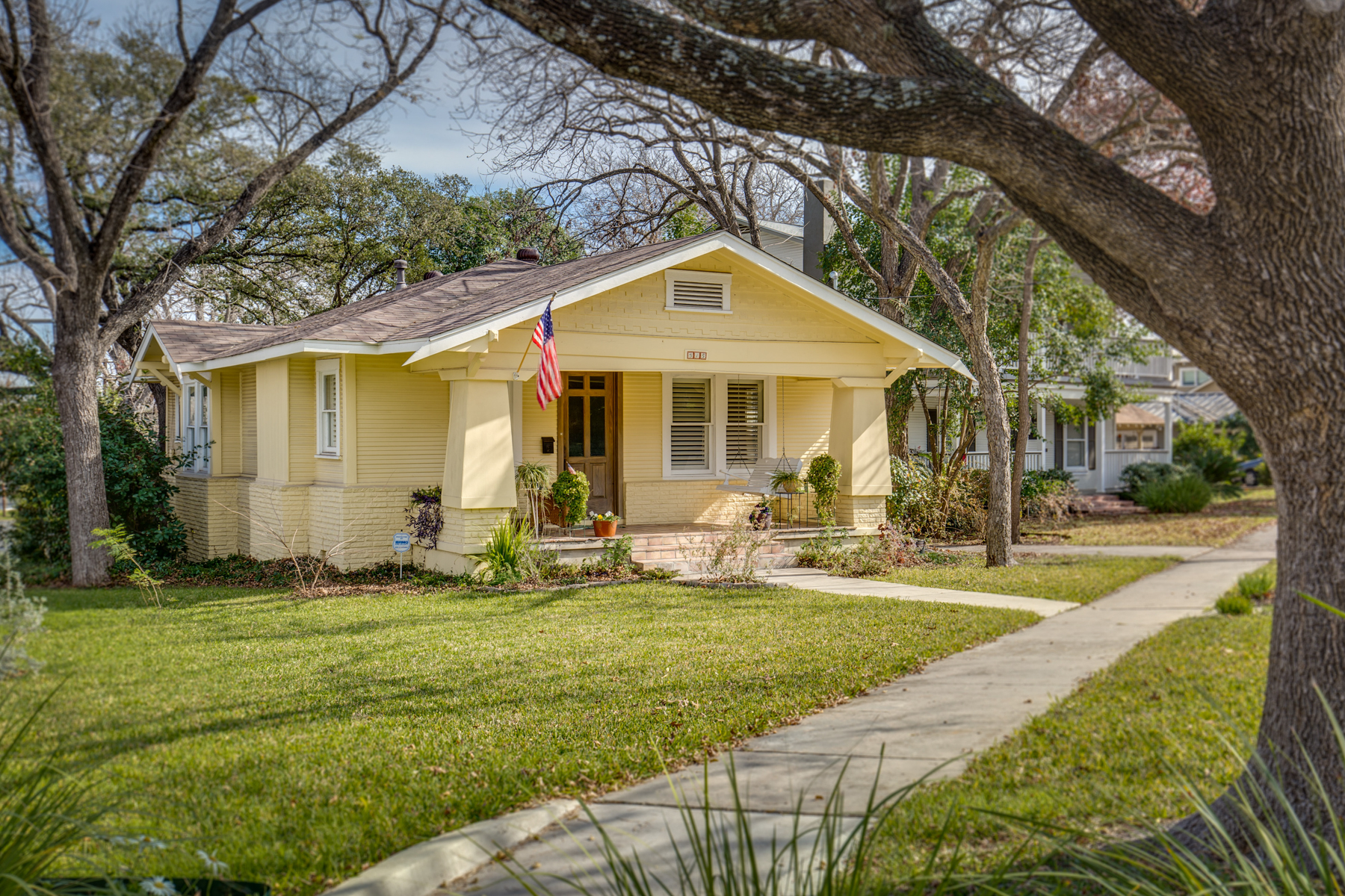 Single Family Home for Sale at Charming Home in Alamo Heights 315 Joliet Ave San Antonio, Texas 78209 United States