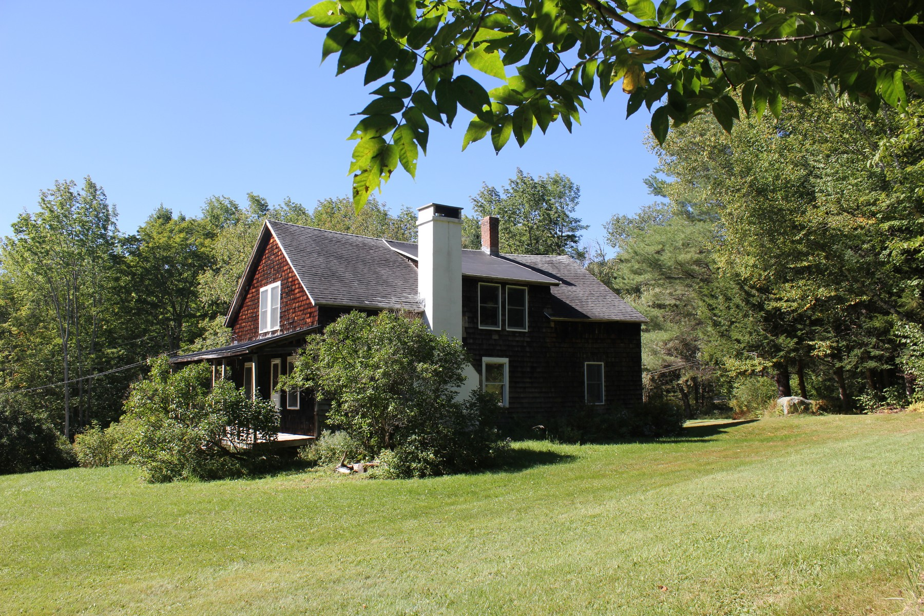 Casa Unifamiliar por un Venta en Quiet Country Setting 4553 East Hill Rd Andover, Vermont, 05143 Estados Unidos