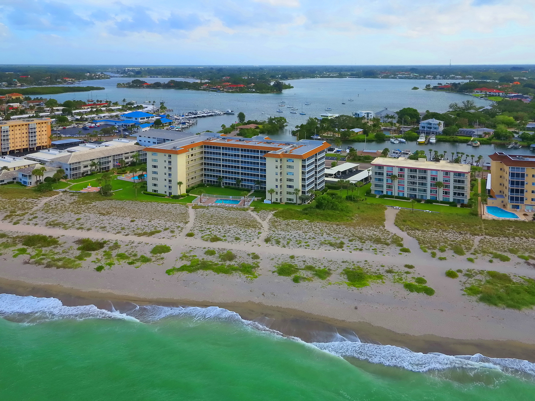 Condominium for Sale at VENICE ISLAND 1150 Tarpon Center Dr 502 (5-B) Venice, Florida, 34285 United States