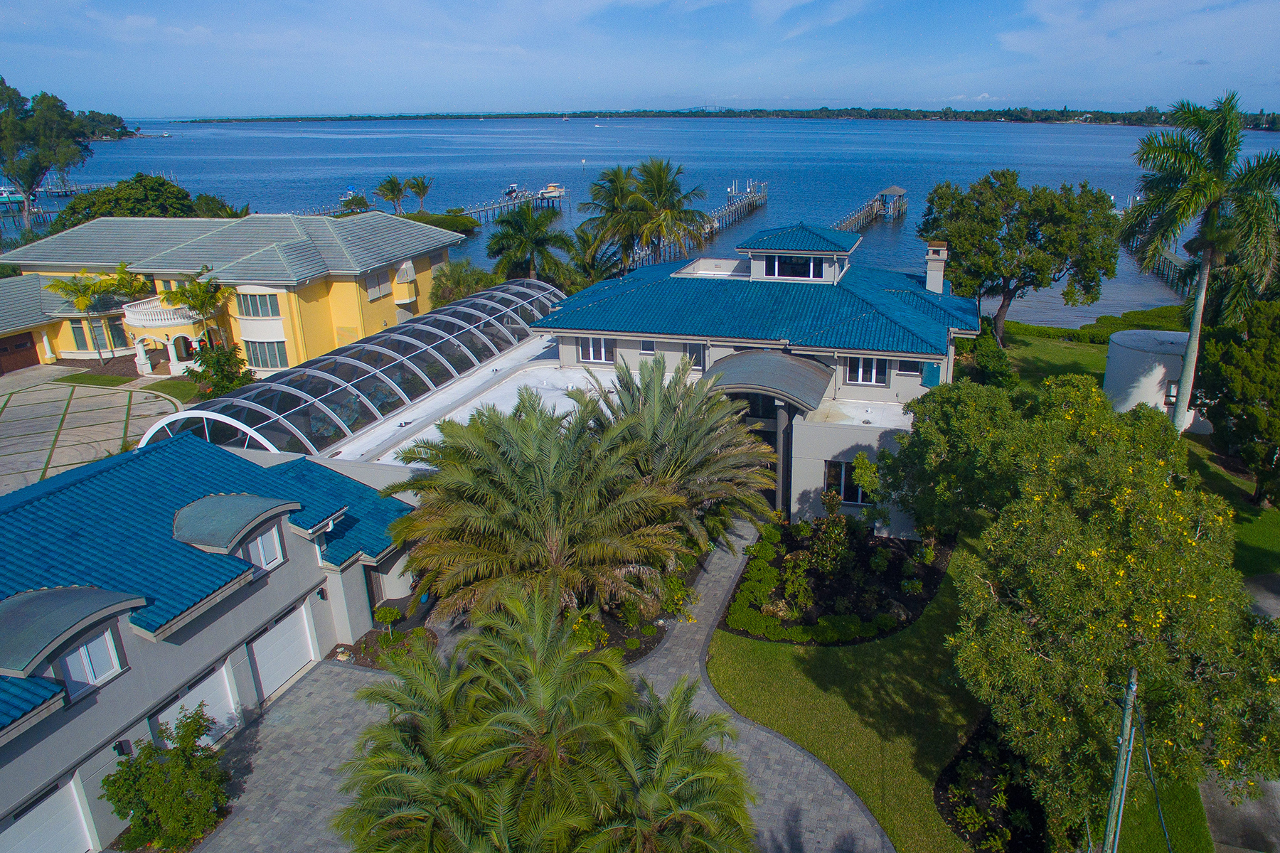 Single Family Home for Sale at MANATEE RIVER REGION 6302 Riverview Blvd Bradenton, Florida 34209 United States