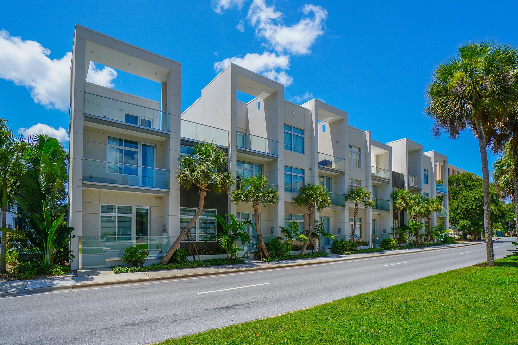 联栋屋 为 销售 在 Q - DOWNTOWN SARASOTA 225 Cosmopolitan Ct 萨拉索塔, 佛罗里达州, 34236 美国