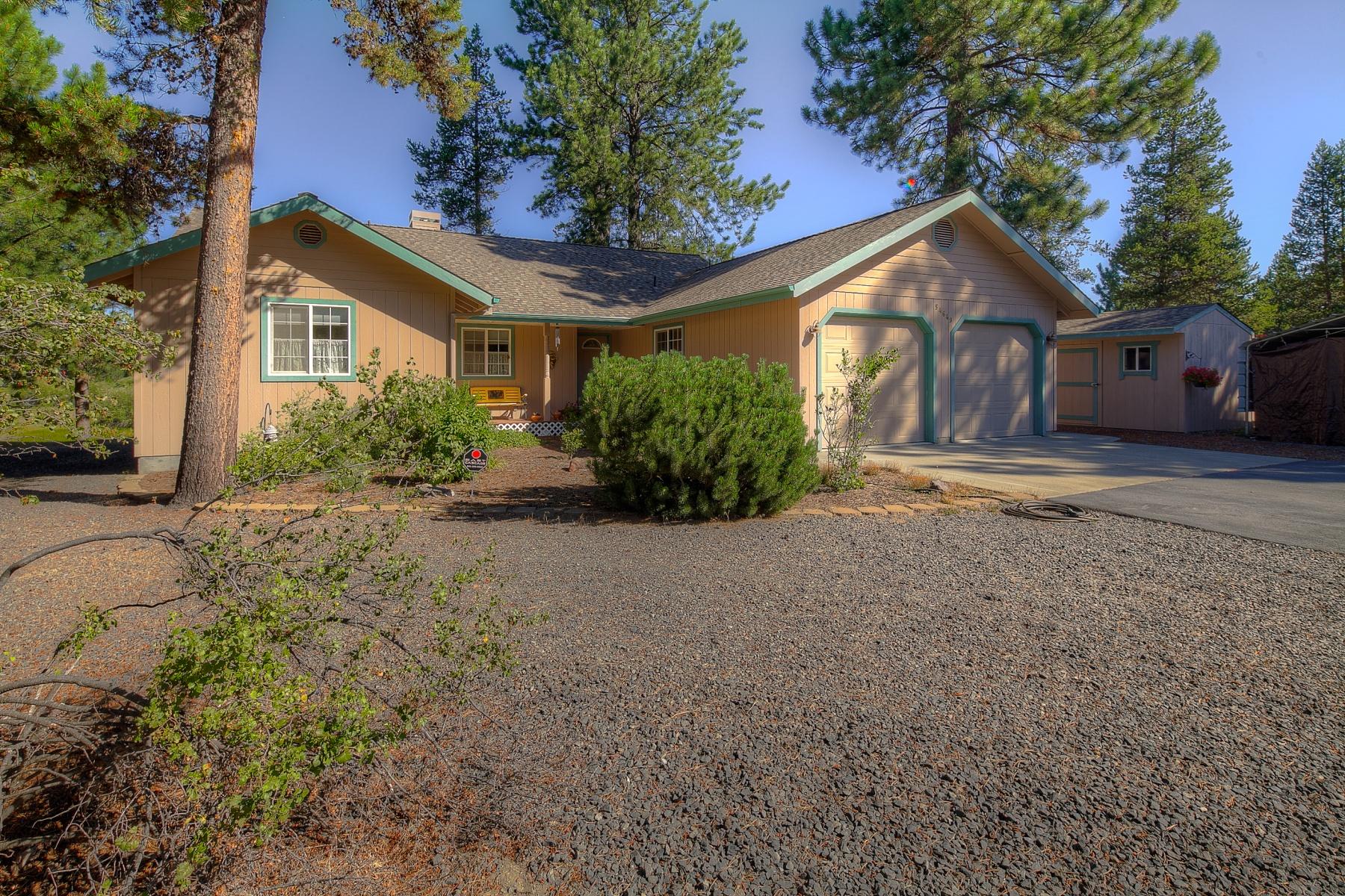 Maison unifamiliale pour l Vente à Mt Bachelor Views & Riverfrontage 54649 Silver Fox Dr Bend, Oregon, 97707 États-Unis