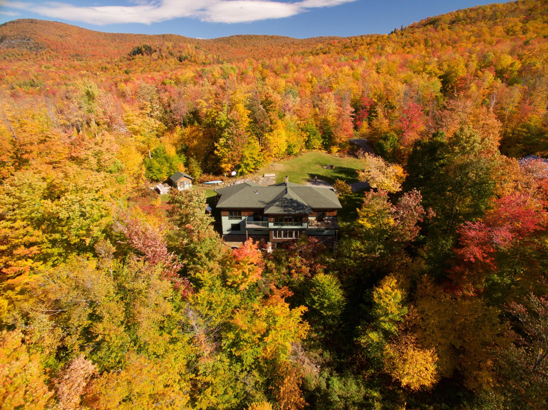 Maison unifamiliale pour l Vente à 230 Stone Hill Rd, Bolton Bolton, Vermont 05465 États-Unis