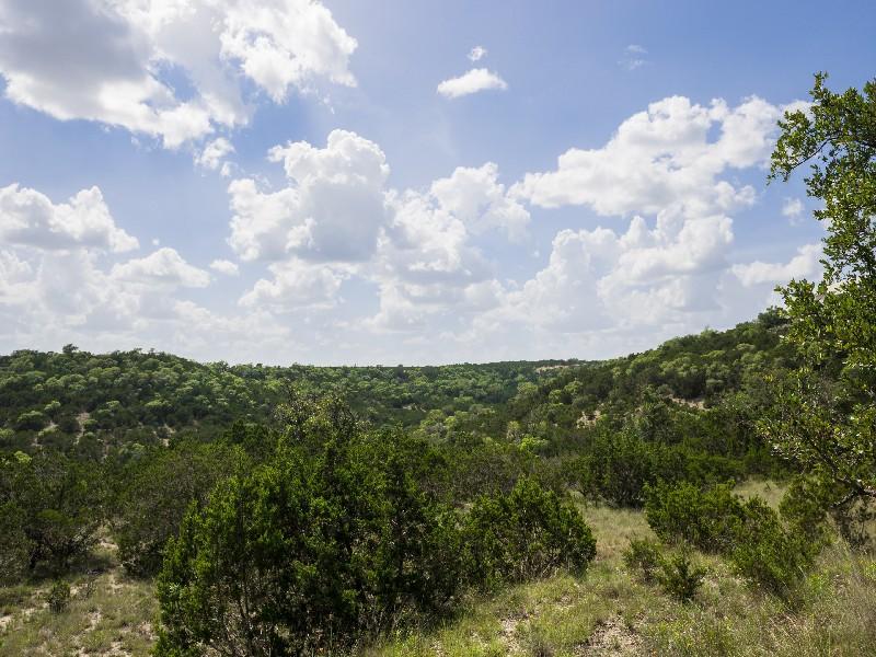 토지 용 매매 에 Lot with Views in The Highlands of Tapatio Lot 141 Preston Trl Boerne, 텍사스, 78006 미국