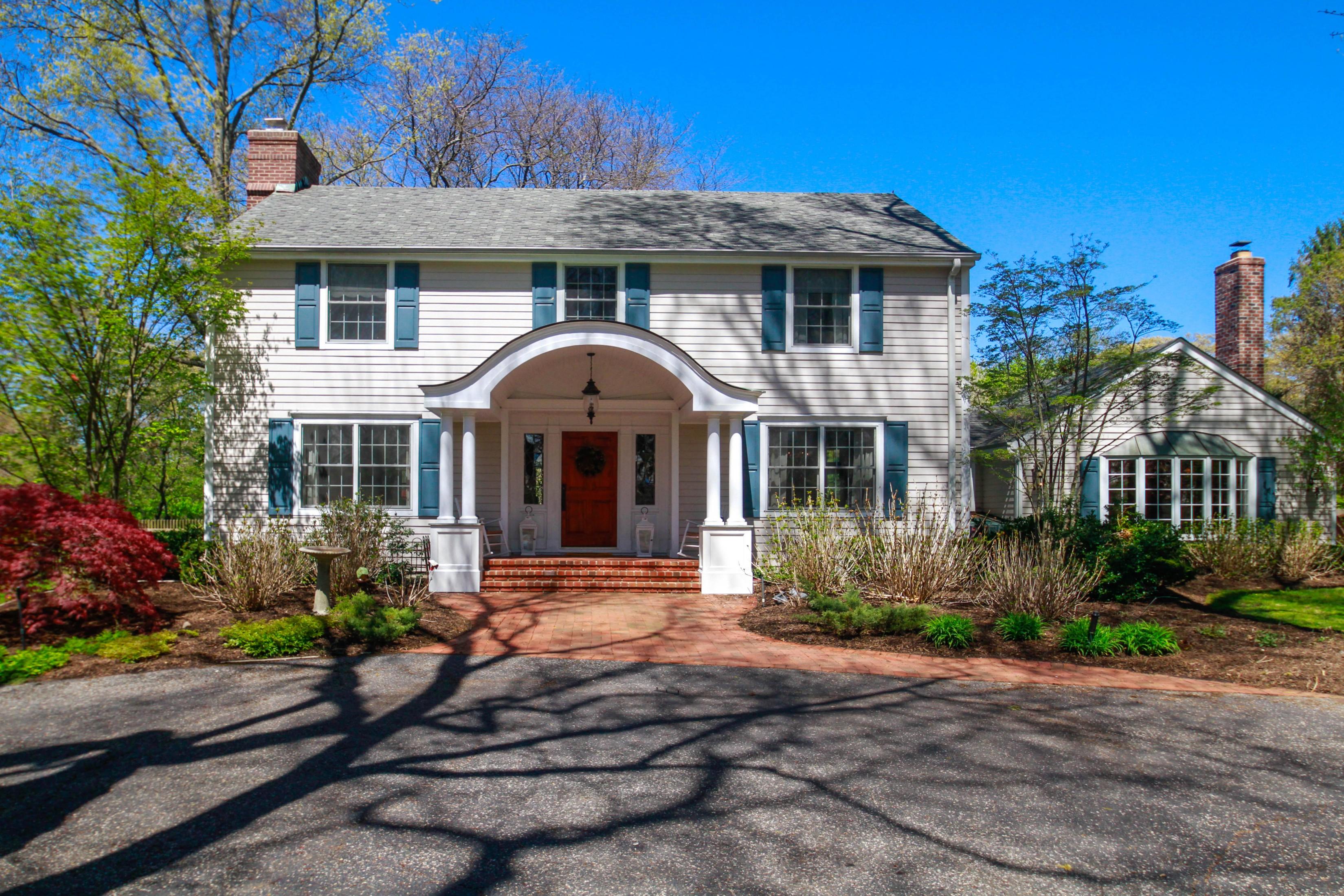 Nhà ở một gia đình vì Bán tại Colonial 138 Jennings Rd Lloyd Harbor, New York, 11743 Hoa Kỳ