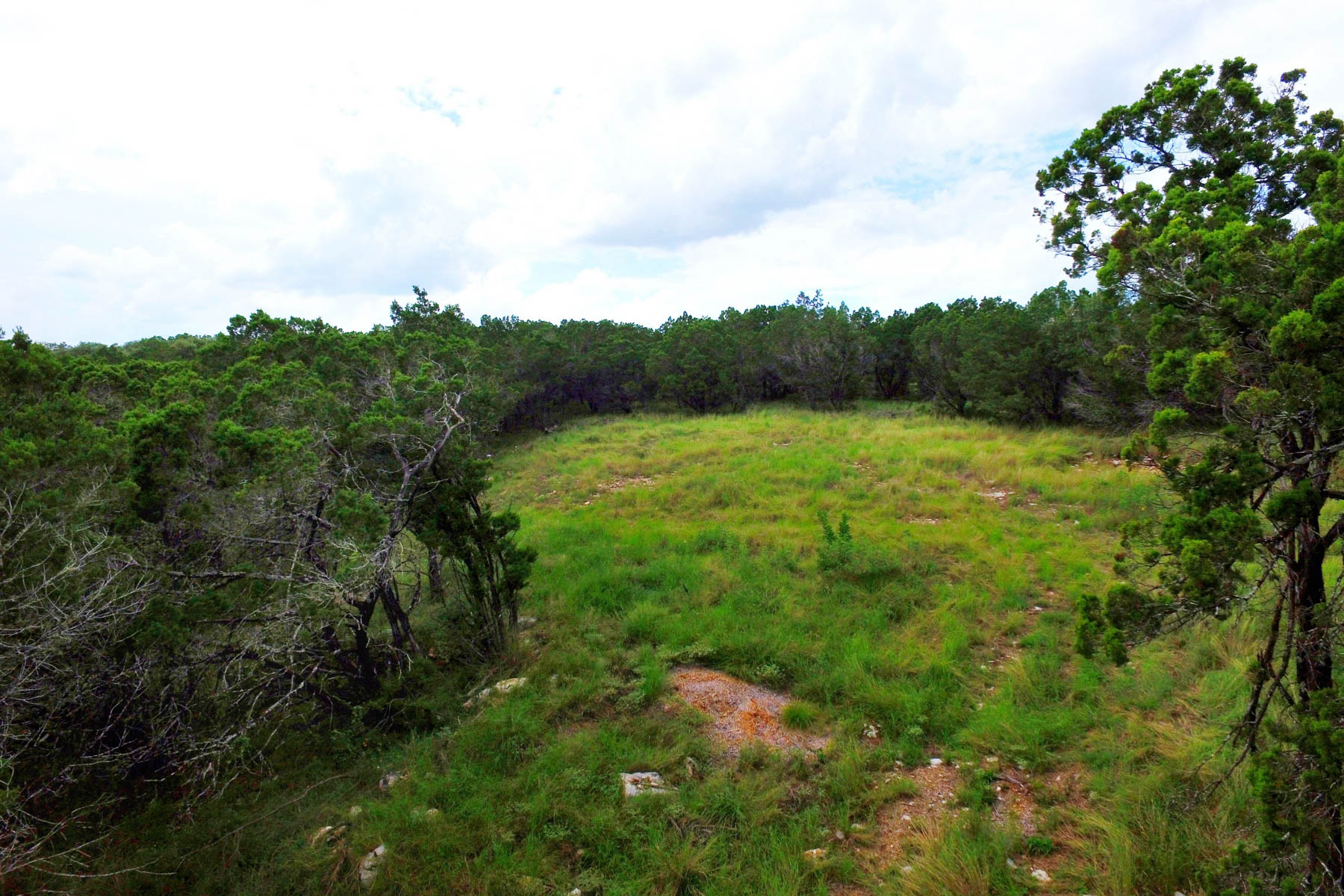 Additional photo for property listing at Beautiful Lot at the End of a Quiet Cul-de-Sac 123 Amulet Dr New Braunfels, Texas 78132 Estados Unidos