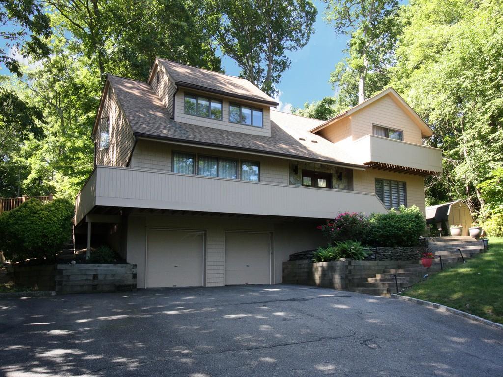Villa per Vendita alle ore Contemporary 100 East Neck Rd Huntington, New York, 11743 Stati Uniti