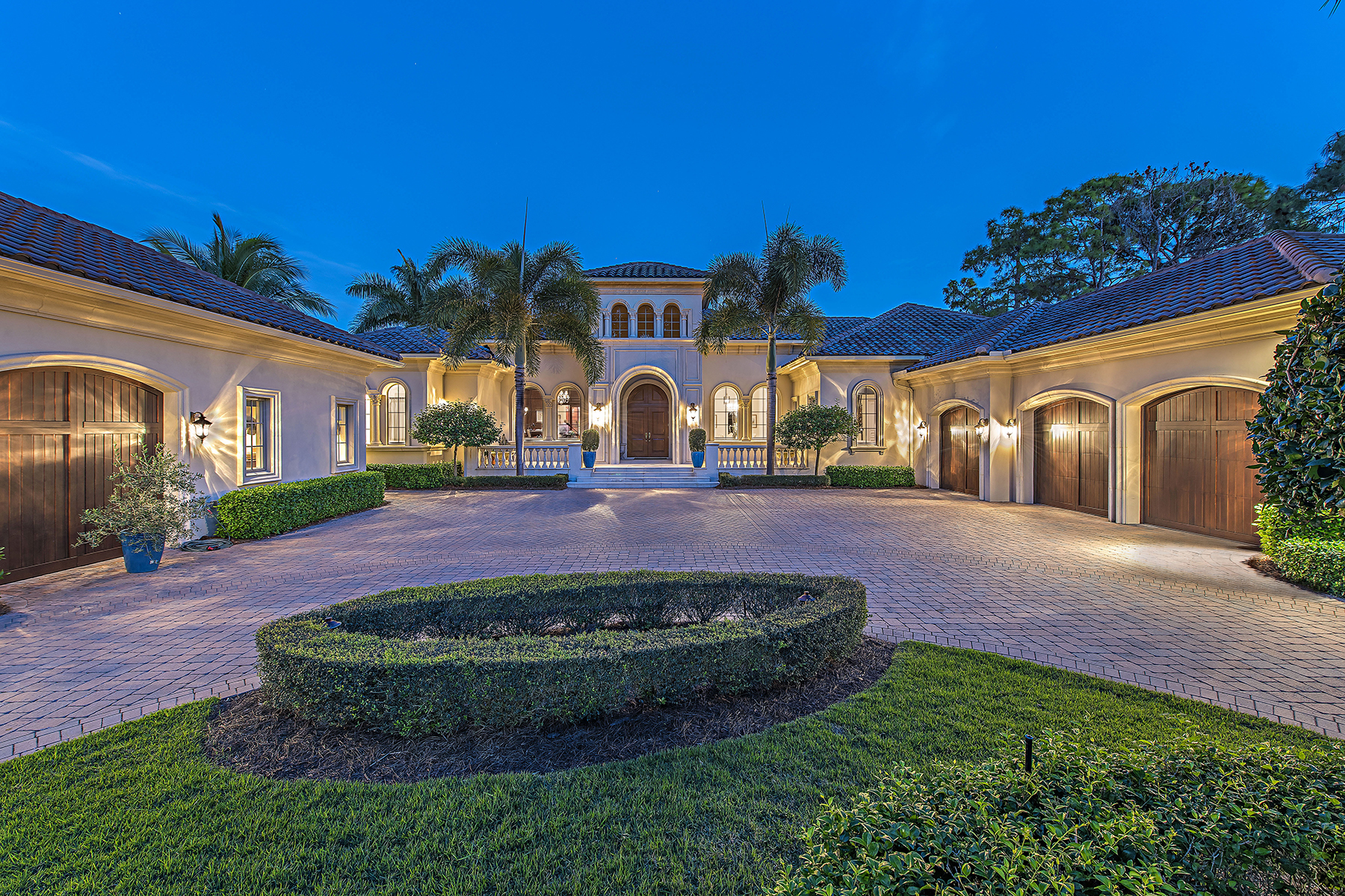 Nhà ở một gia đình vì Bán tại 1372 Great Egret Trl , Naples, FL 34105 1372 Great Egret Trl Naples, Florida, 34105 Hoa Kỳ