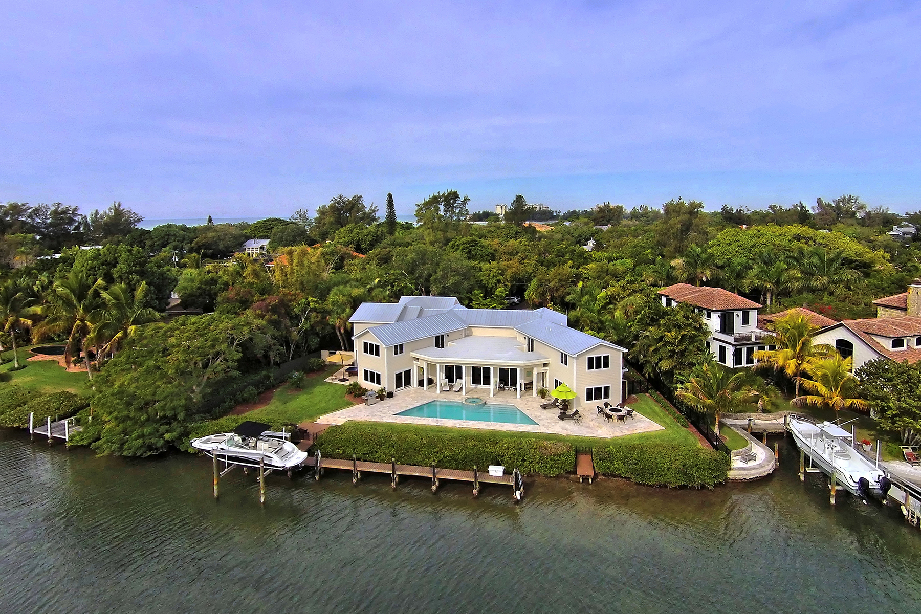 Single Family Home for Sale at CEDAR PARK 271 Cedar Park Cir, Sarasota, Florida 34242 United States