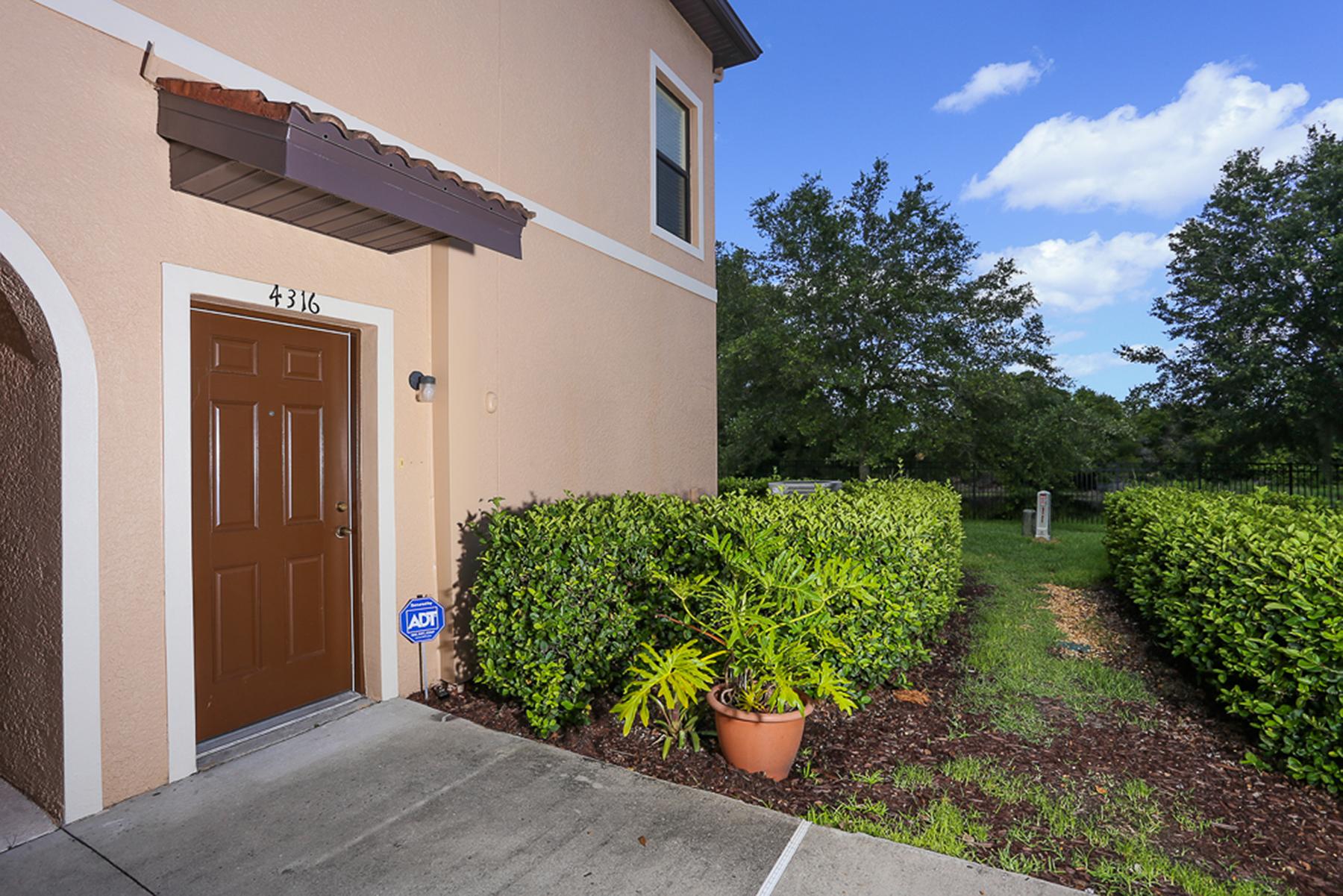 Condominio por un Alquiler en SARASOTA - STONERIDGE 4316 Via Piedra Cir Sarasota, Florida 34233 Estados Unidos