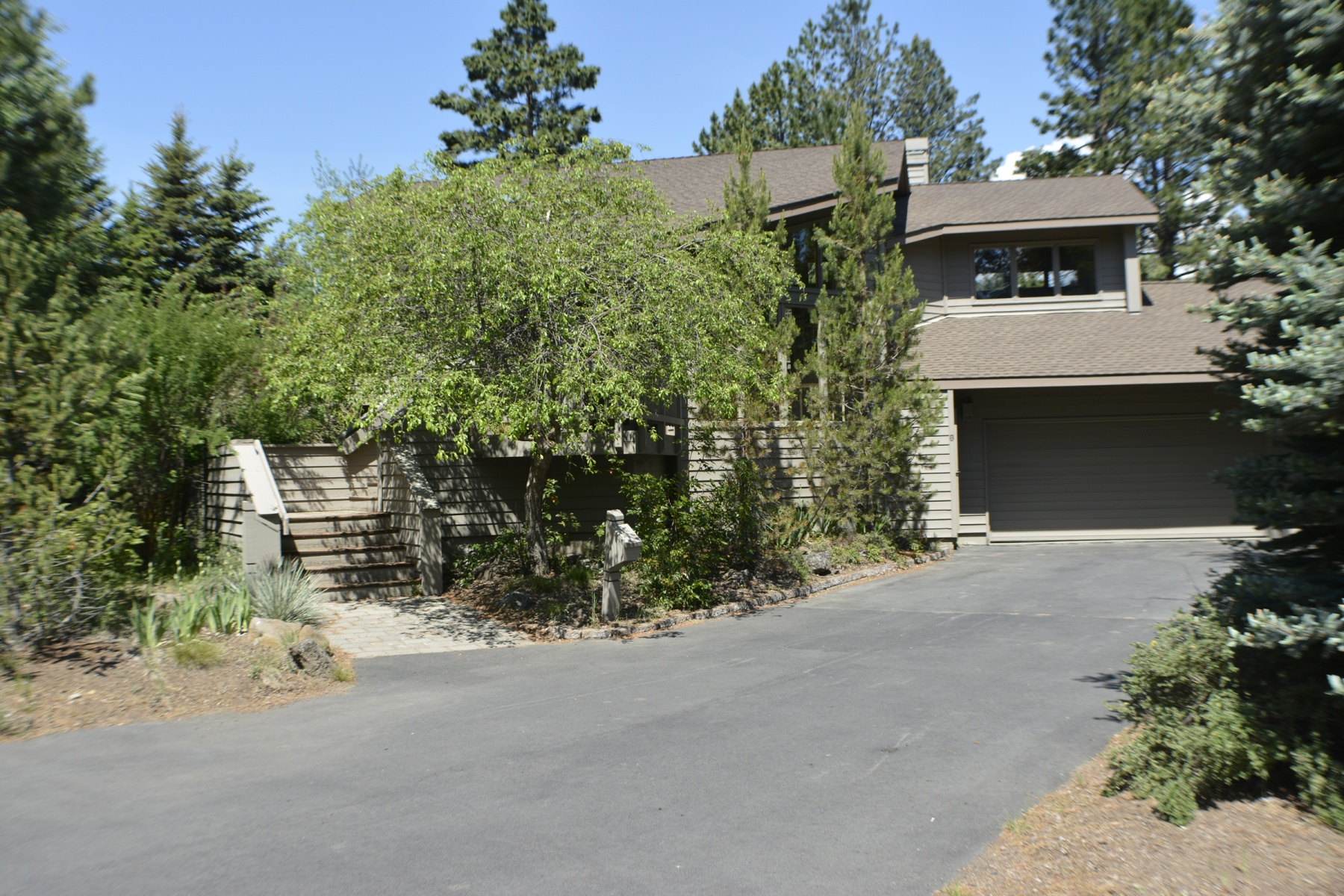 Single Family Home for Sale at 3 Playoff Lane, SUNRIVER 3 Playoff Ln Sunriver, Oregon, 97707 United States