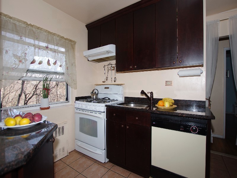 Co-op for Sale at Large JR 4 Converted to a 2 BR 3030 Johnson Avenue Riverdale, New York 10463 United States
