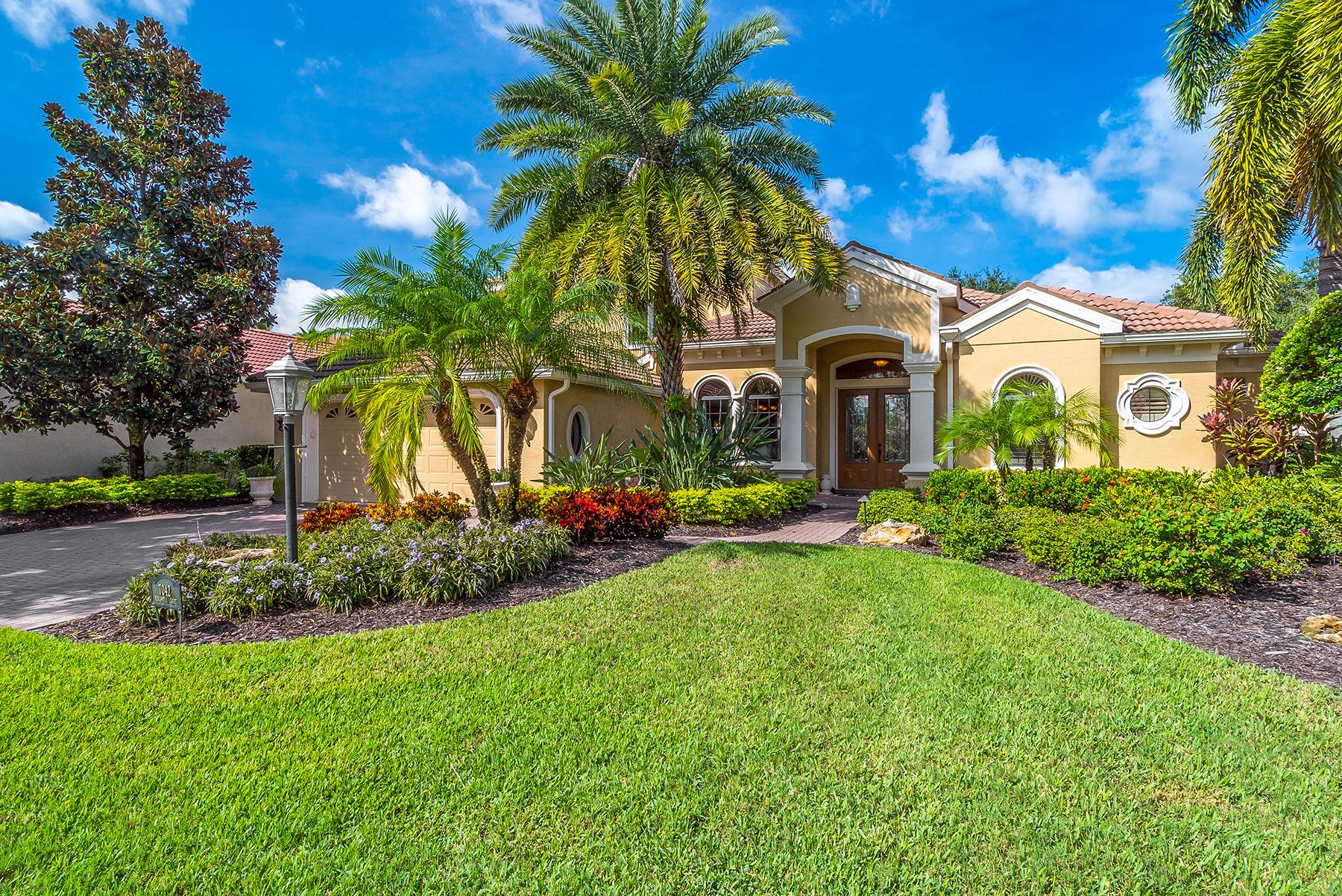 Nhà ở một gia đình vì Bán tại LAKEWOOD RANCH COUNTRY CLUB 7042 Kingsmill Ct Lakewood Ranch, Florida, 34202 Hoa Kỳ