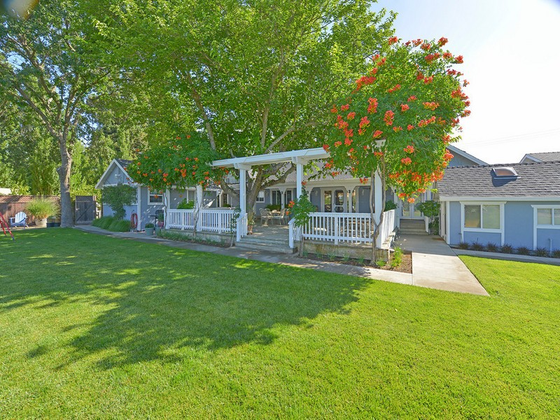 Single Family Home for Sale at 4659 Linda Vista Ave, Napa, CA 94558 4659 Linda Vista Ave Napa, California 94558 United States