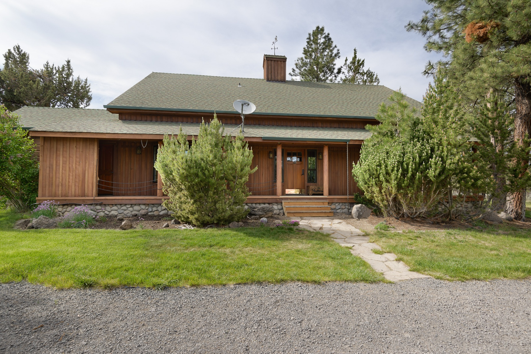 独户住宅 为 销售 在 Home, Acreage, Animal Set-Up 67373 Bass Ln 本德, 俄勒冈州, 97703 美国