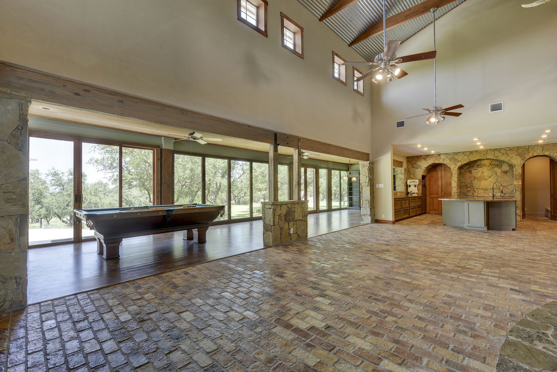 Additional photo for property listing at Panoramic View of the Texas Hill Country 140 Granite Ridge Dr Spicewood, Texas 78669 Estados Unidos