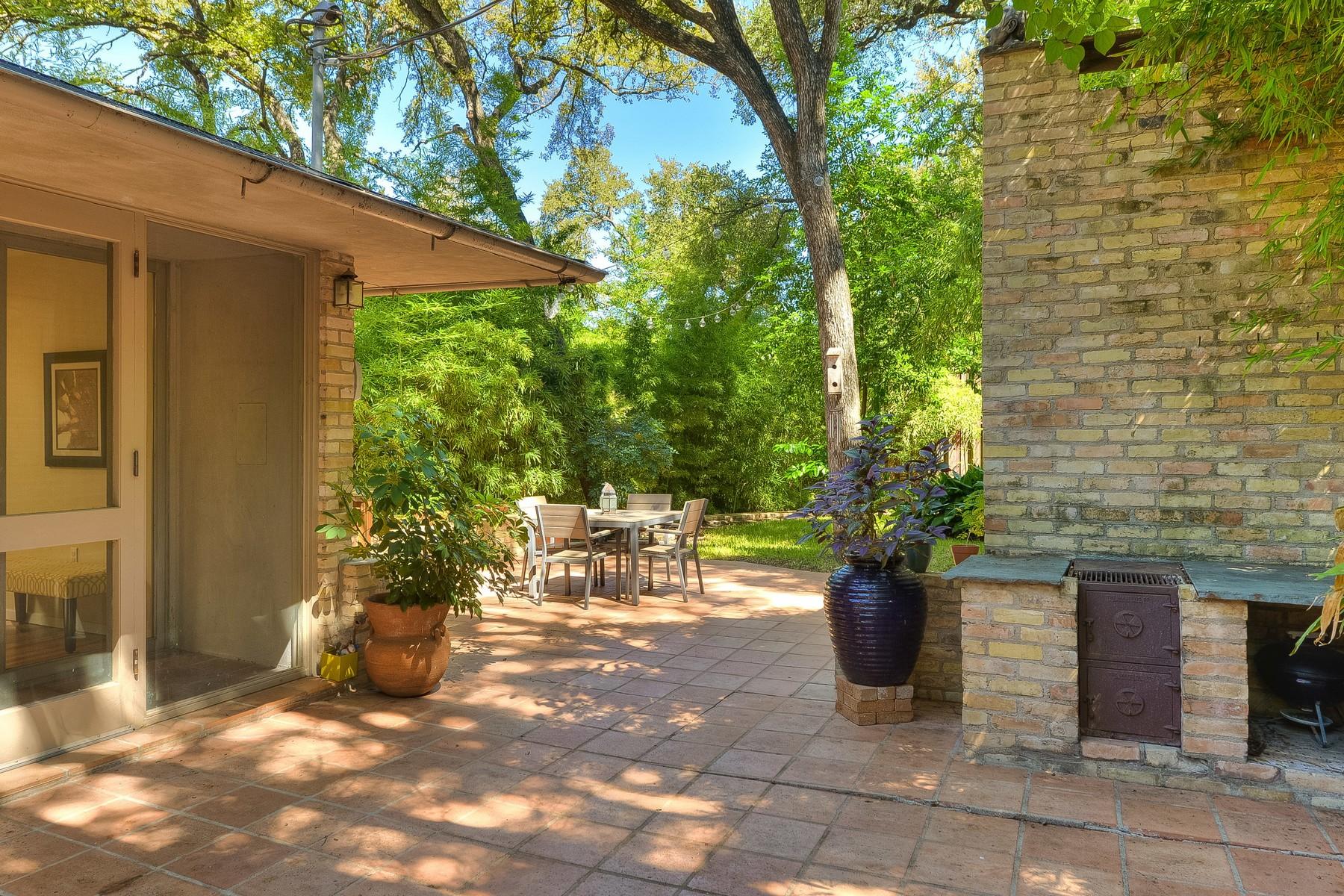 Additional photo for property listing at Stunning Mid-Century Modern Architecture 2311 Shoal Creek Blvd Austin, Texas 78705 Estados Unidos