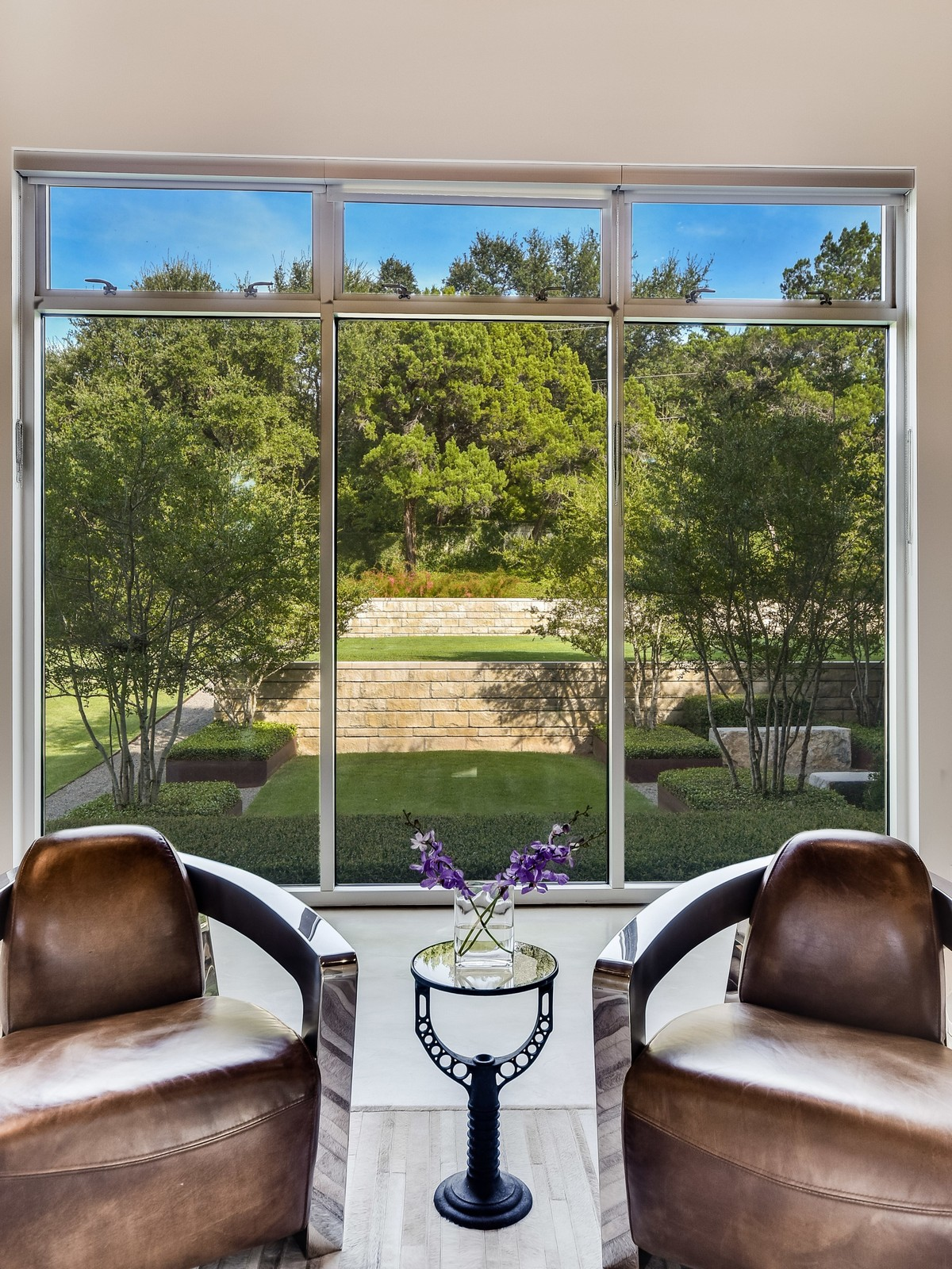 Additional photo for property listing at Exquisite Contemporary Architecture 2009 Cueva De Oro Cv Austin, Texas 78746 Estados Unidos