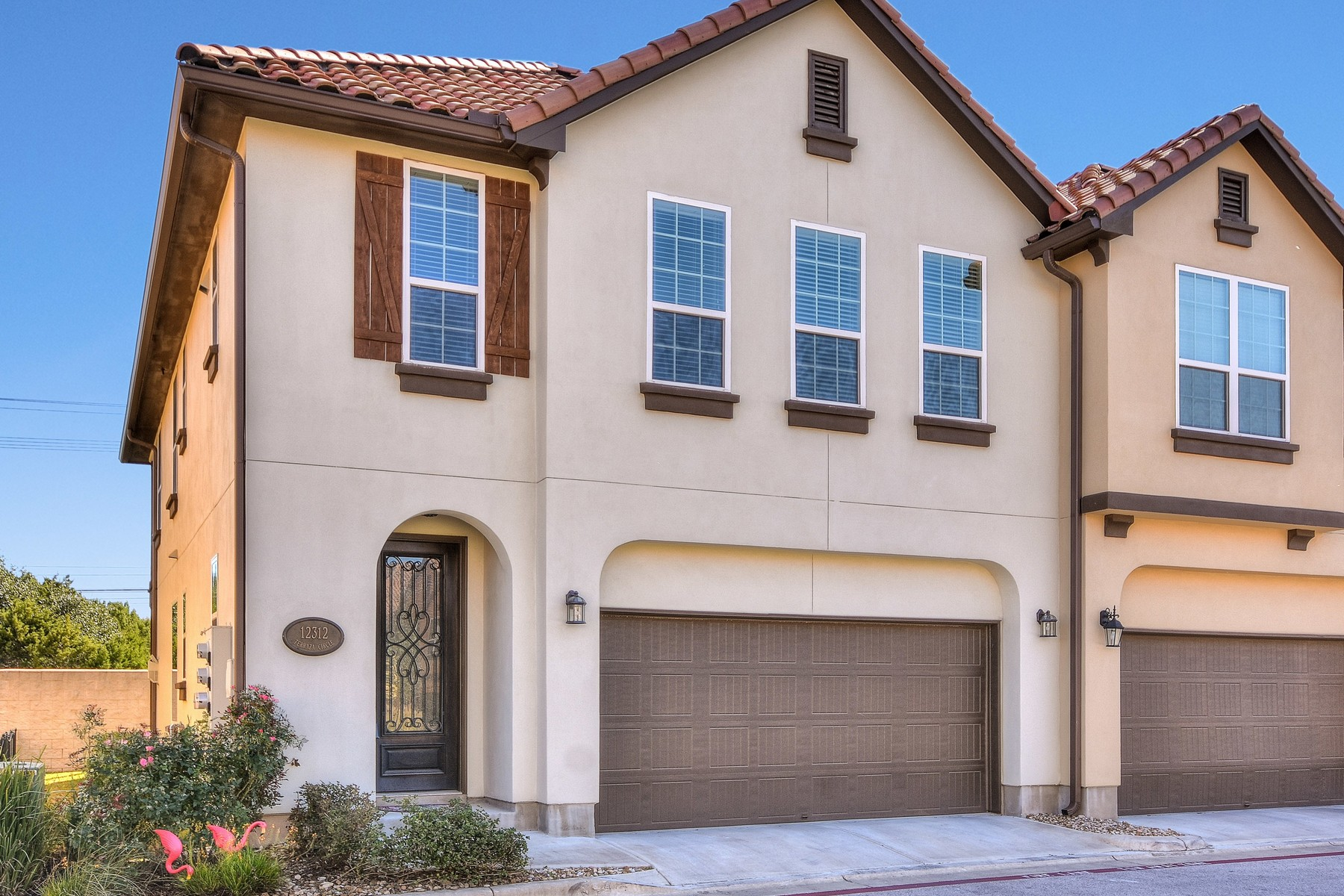 Condominium for Sale at Pristine Townhome with Thousands in Upgrades! 12312 Terraza Cir TH7 Austin, Texas 78726 United States