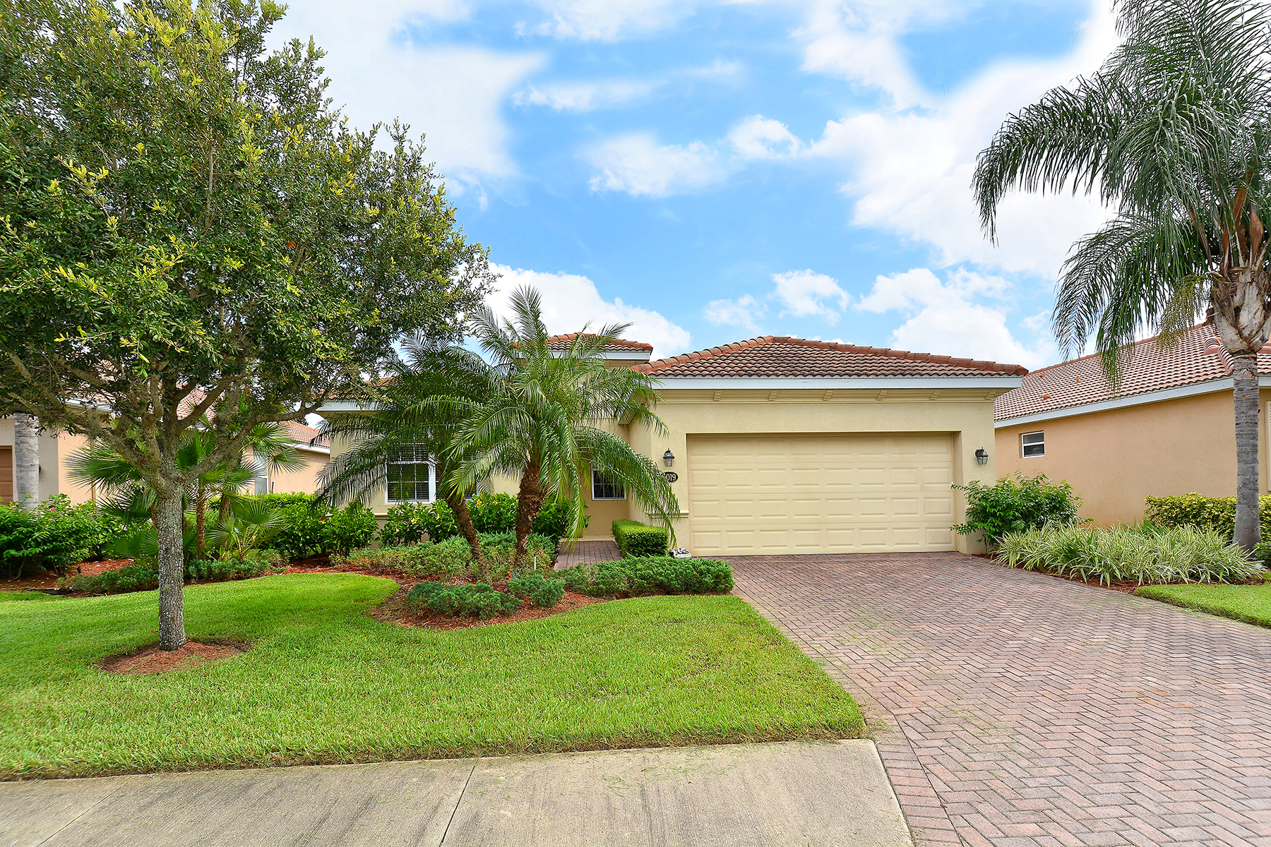 Casa Unifamiliar por un Venta en BRADENTON 9019 Heritage Sound Dr Bradenton, Florida, 34212 Estados Unidos