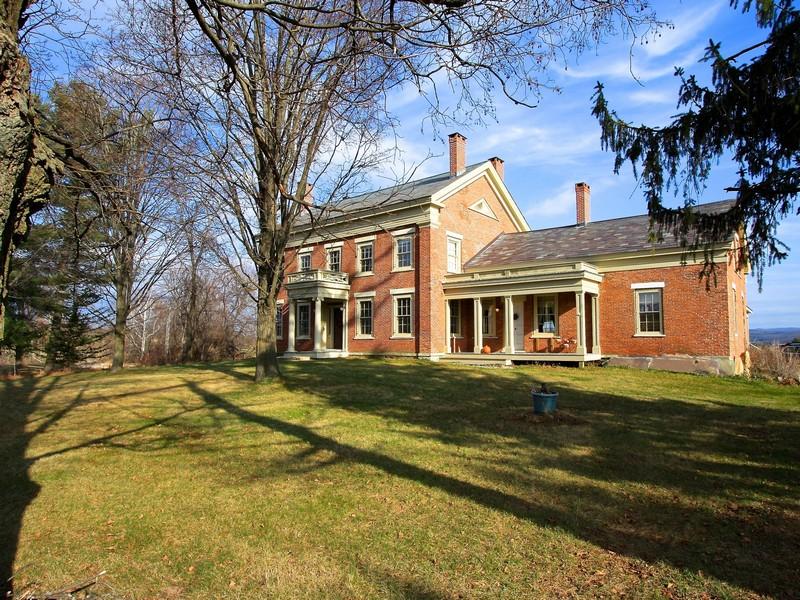 Maison unifamiliale pour l Vente à Kingston Place 1293 Park Hill Rd Benson, Vermont 05743 États-Unis
