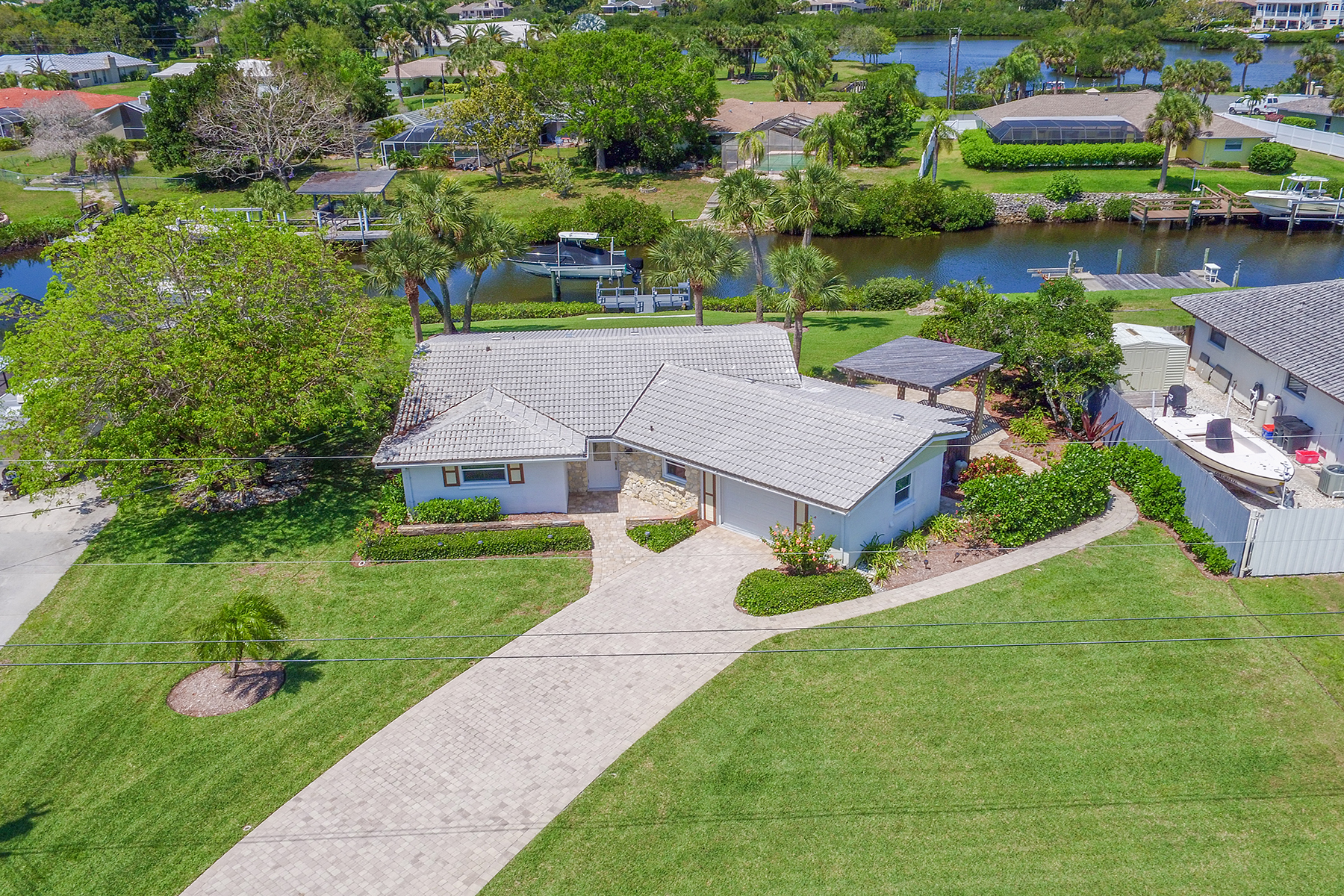 Single Family Home for Sale at SORRENTO SHORES 372 Renoir Dr Osprey, Florida, 34229 United States