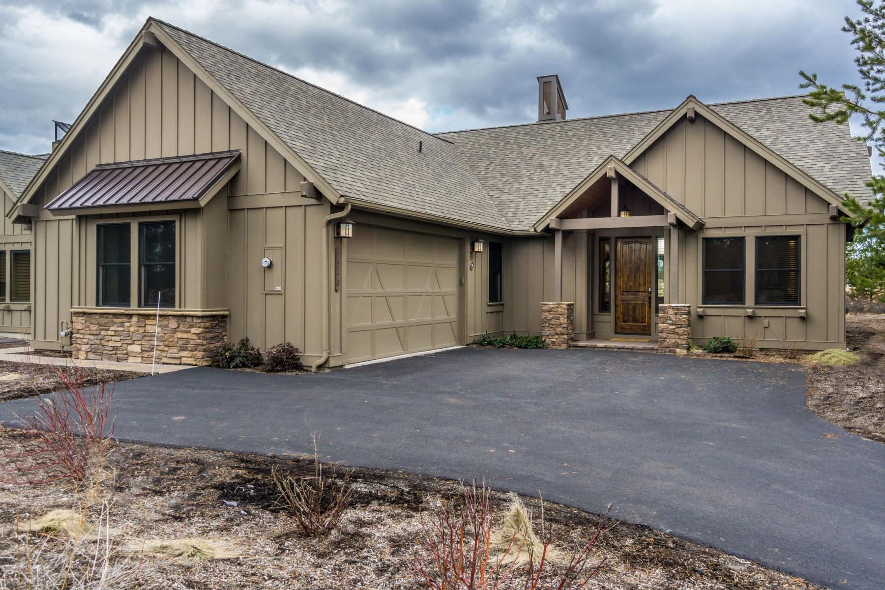 独户住宅 为 销售 在 9 Caldera Cabin, BEND 本德, 俄勒冈州, 00000 美国