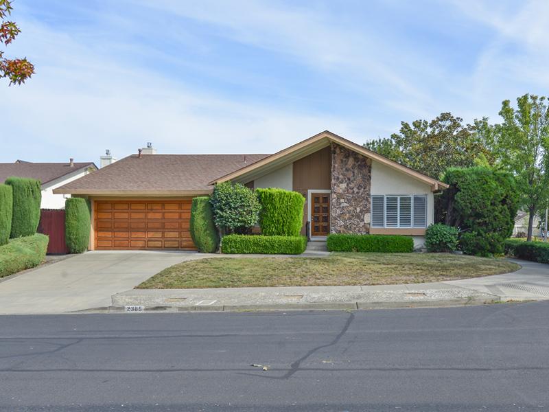 Casa para uma família para Venda às 2385 Las Flores Dr, Napa, CA 94558 2385 Las Flores Dr Napa, Califórnia 94558 Estados Unidos