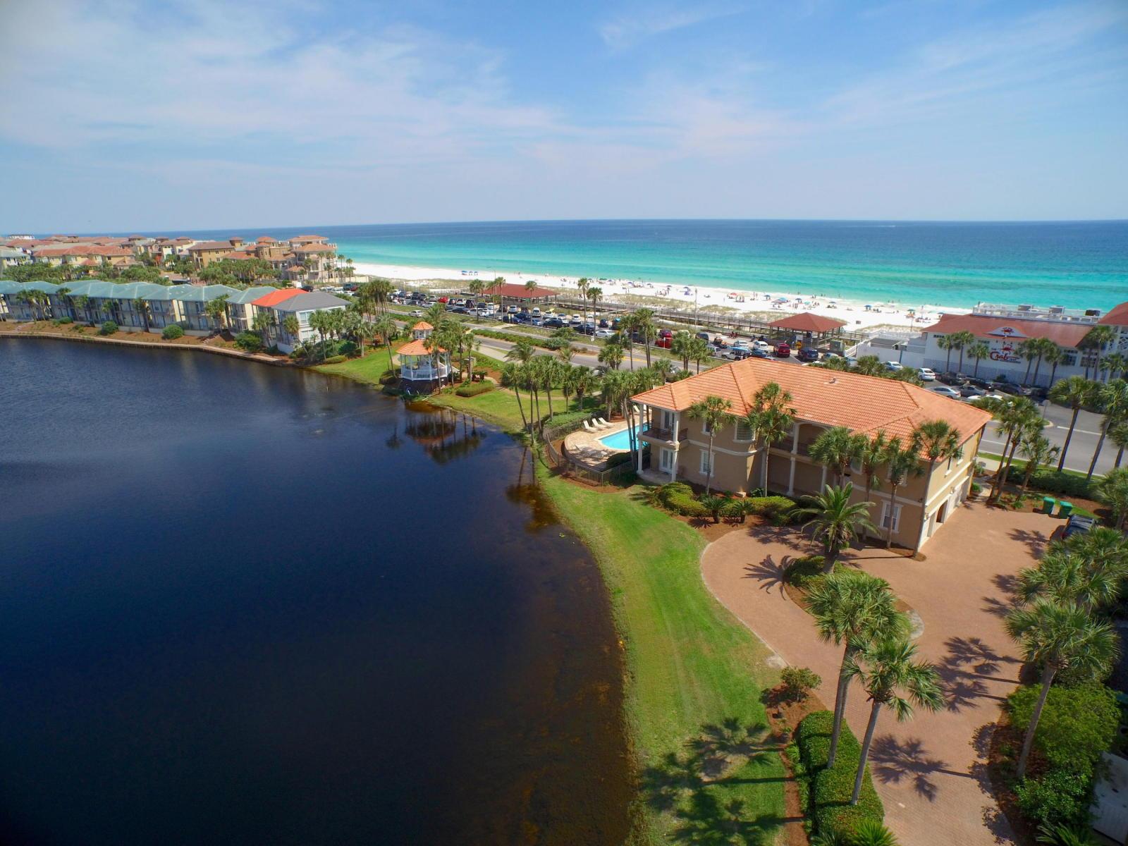 一戸建て のために 売買 アット LAKEFRONT MEDITERRANEAN WITH GULF VIEW 4664 Destiny Way Destin, フロリダ 32541 アメリカ合衆国