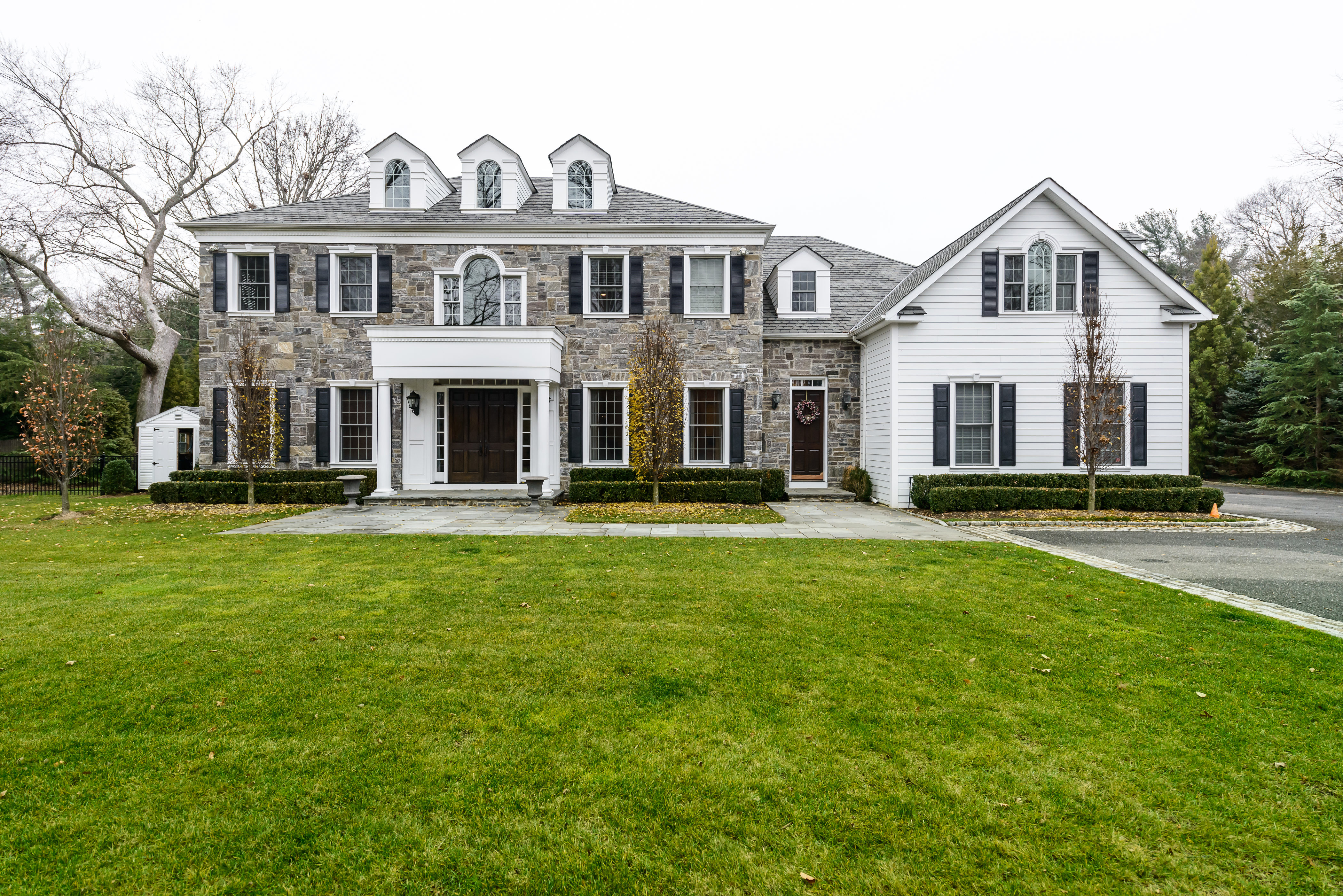 Single Family Home for Sale at Colonial 58 Warner Ln Syosset, New York, 11791 United States