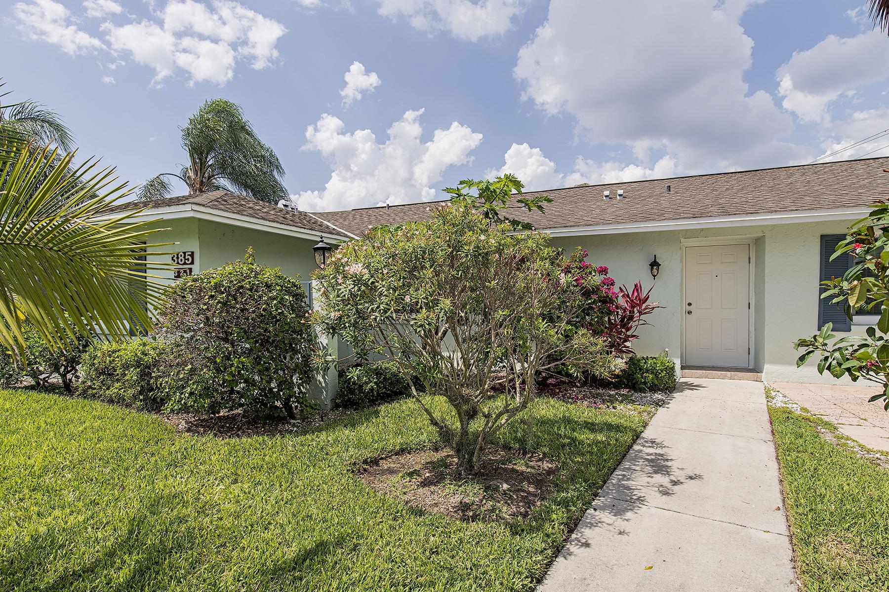 联栋屋 为 销售 在 GLADES - GLADES COUNTRY CLUB 385 Palm Dr 1732 Naples, 佛罗里达州 34112 美国
